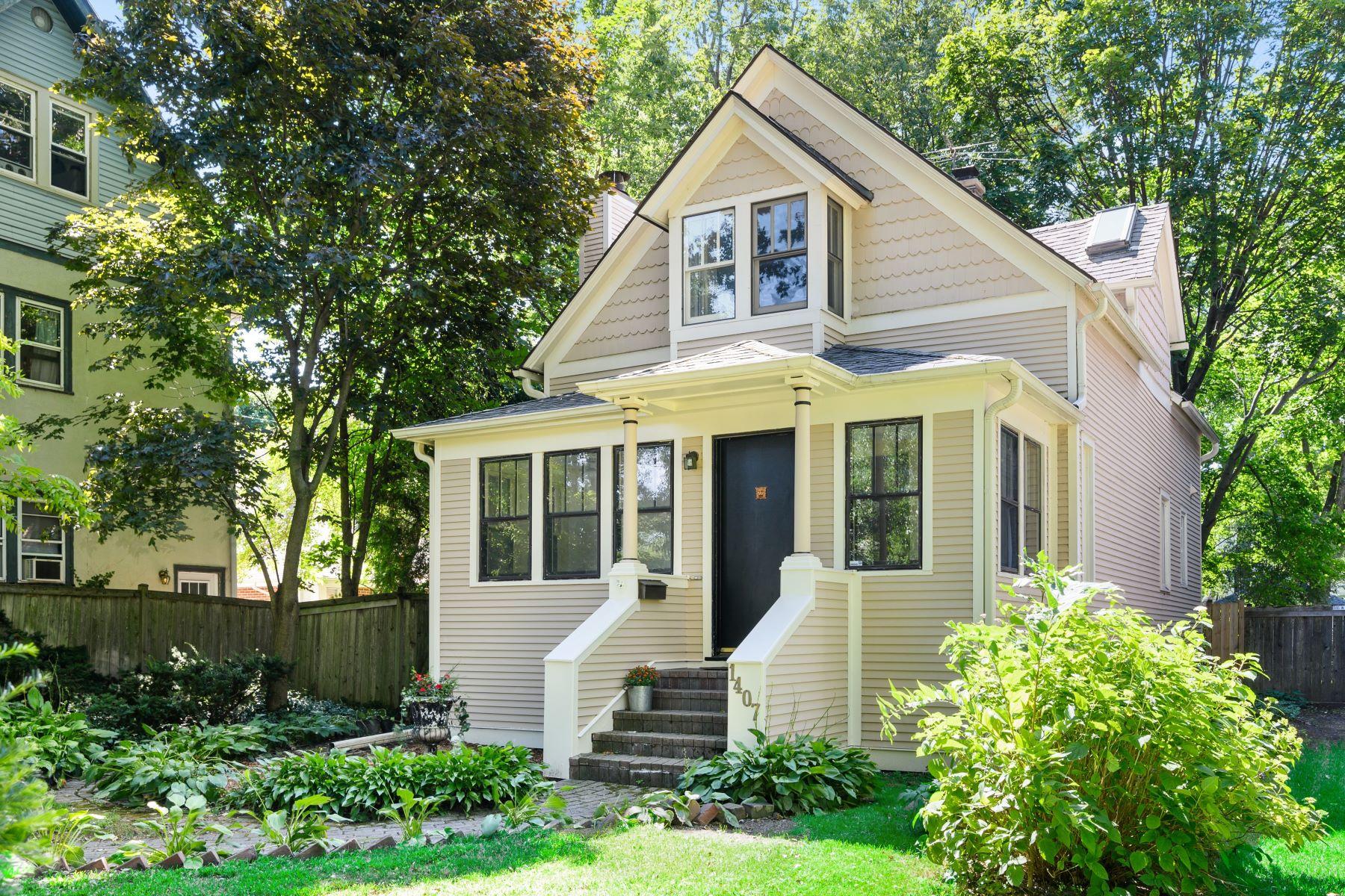 Single Family Homes for Active at Beautiful Farmhouse 1407 Elmwood Avenue Wilmette, Illinois 60091 United States