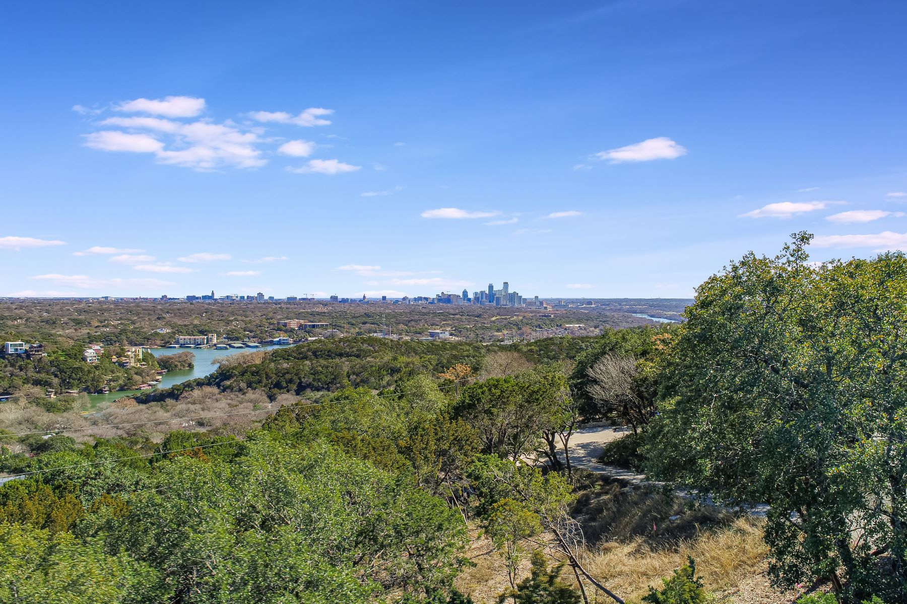 Terreno por un Venta en Prime 1 Acre Lot in West Lake Hills with City and Hill Country Views 1508 Wild Cat Hollow, West Lake Hills, Texas 78746 Estados Unidos