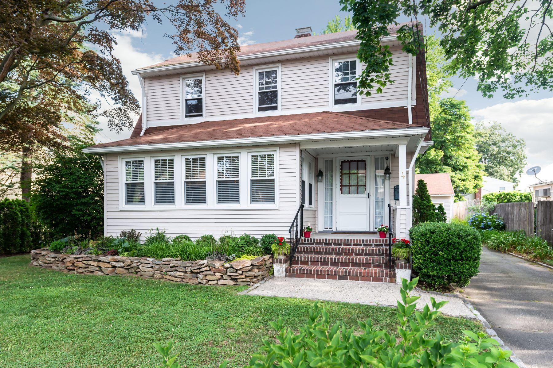 Single Family Homes 為 出售 在 4 Elm Place, Glen Head, Ny, 11545 Glen Head, 纽约 11545 美國