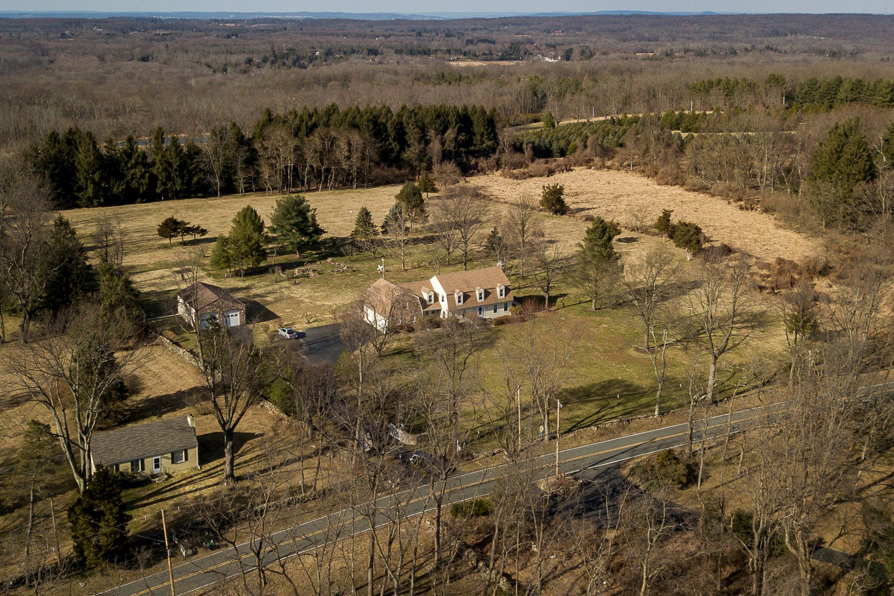 Additional photo for property listing at A Gem In The Country 69 Harbourton Woodsville Road, Pennington, New Jersey 08534 Verenigde Staten