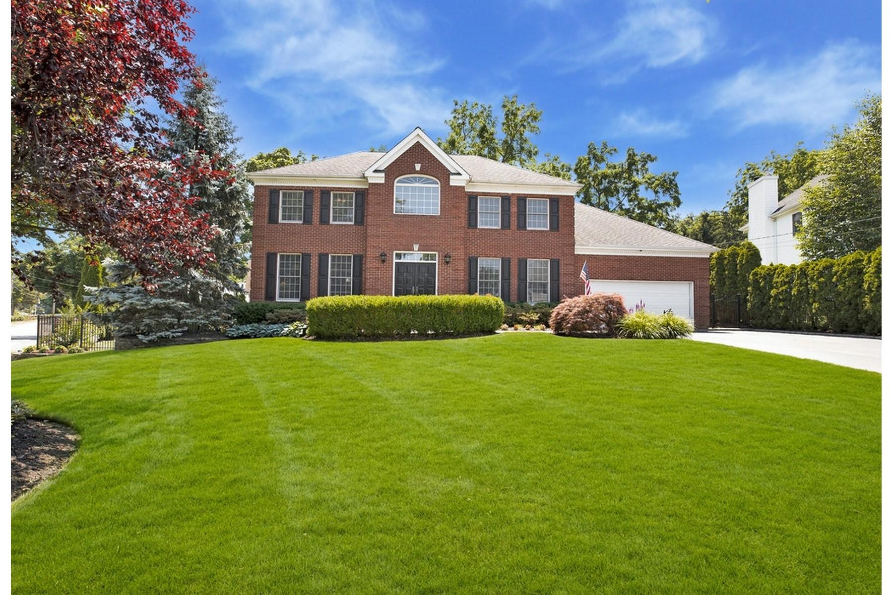 Single Family Homes 為 出售 在 1 Country Lake Court, Centerport, Ny, 11721 Centerport, 纽约 11721 美國