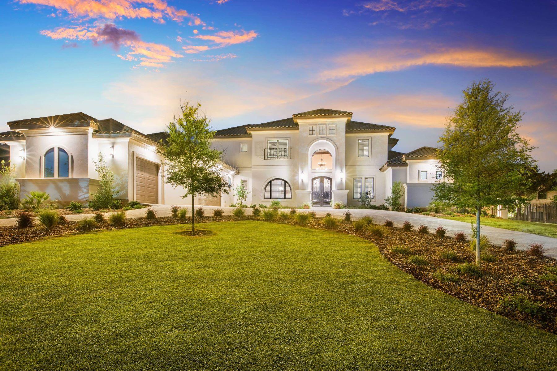 Single Family Homes for Active at Exquisite Spanish Estate in Huntington at Shavano Park 110 Wellesley Landing Shavano Park, Texas 78231 United States