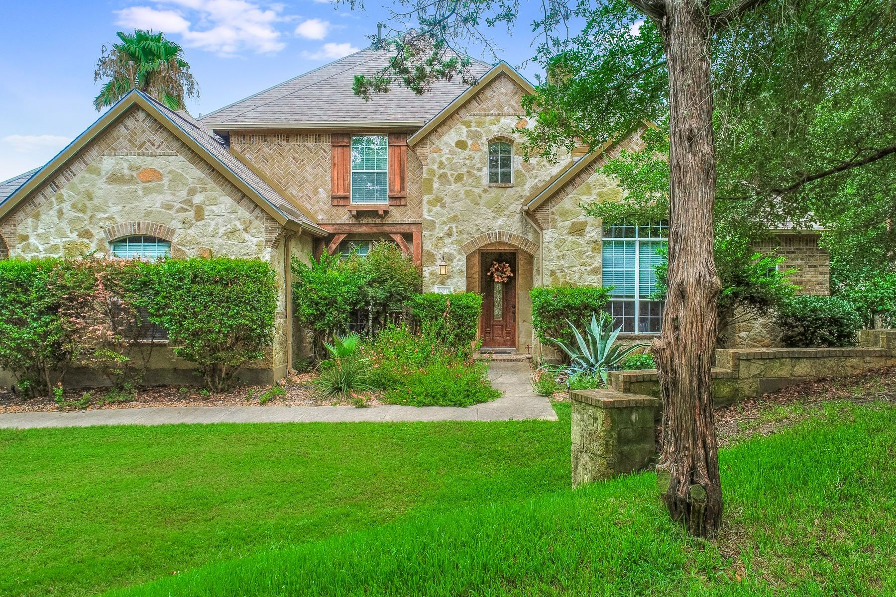 Single Family Homes pour l Vente à Gorgeous Home in Regency Oaks 20214 Regency Run, Garden Ridge, Texas 78266 États-Unis