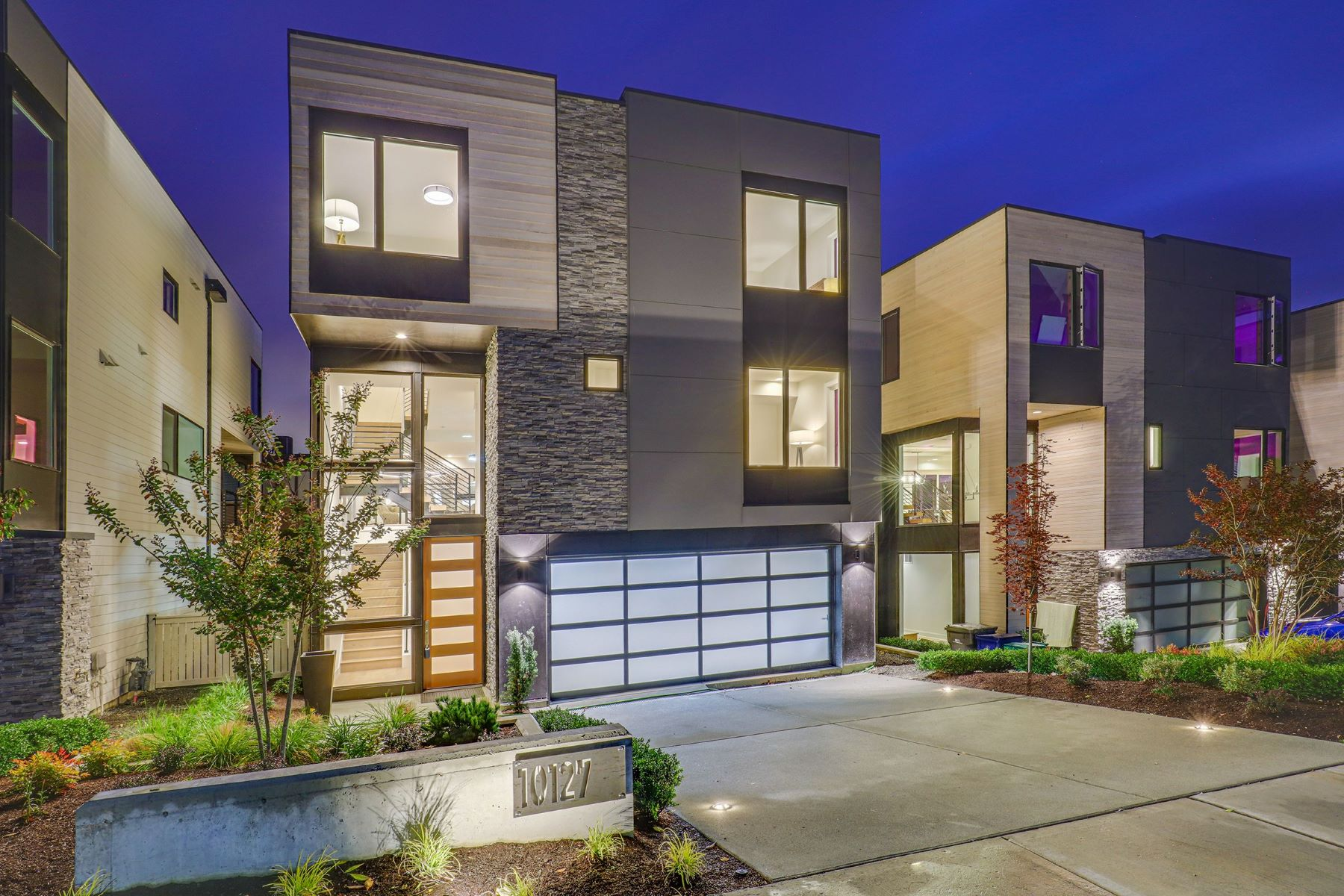 Single Family Homes for Sale at 10131 NE 60th St Unit #4, Kirkland, WA 98033 10131 NE 60th Street (Lot 4) Kirkland, Washington 98033 United States