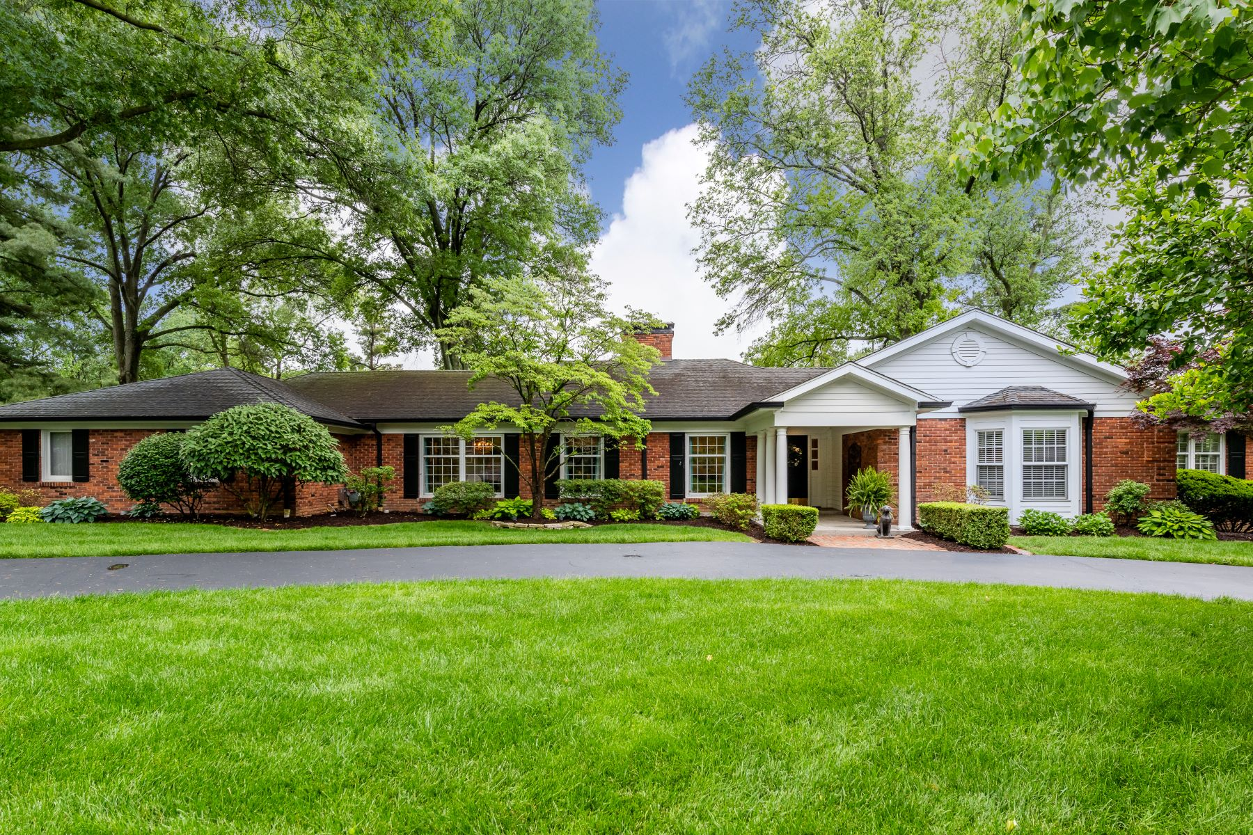 Single Family Homes for Sale at Breathtaking Renovation 38 Salem Estates Drive Ladue, Missouri 63124 United States