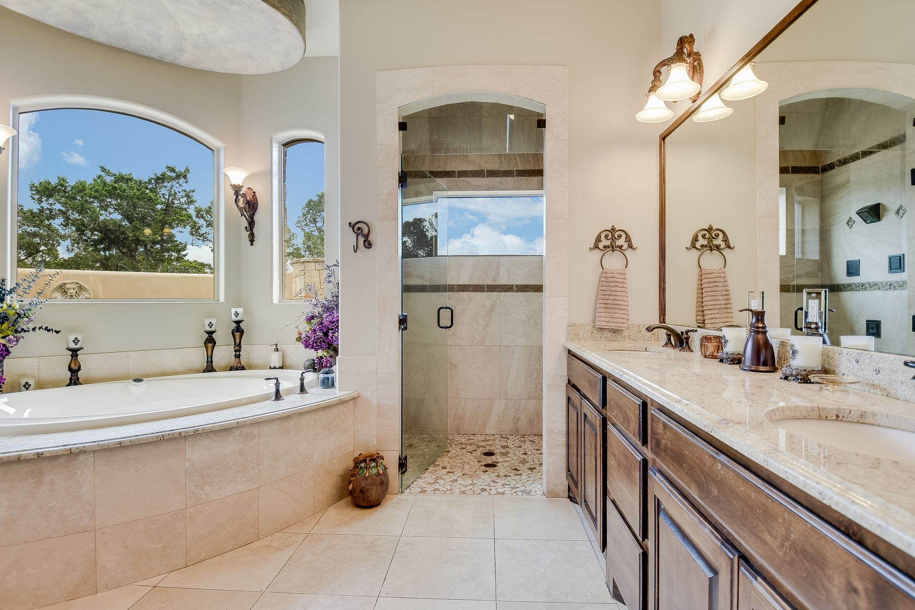 Additional photo for property listing at Stunning Mediterranean Style Home with Views 244 San Juan Kerrville, Texas 78028 United States