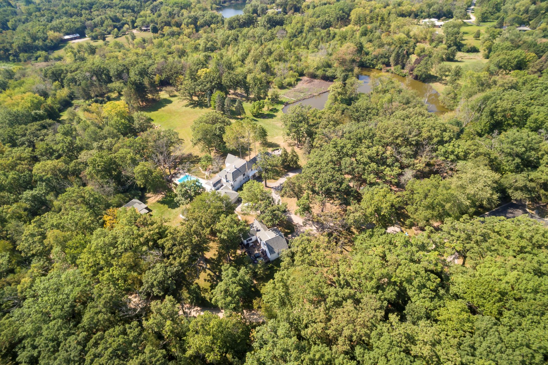 Single Family Home for Active at Iconic Country Estate 21700 N Hanover Hills Road Barrington, Illinois 60010 United States
