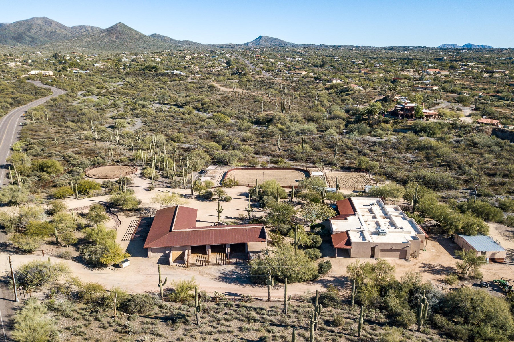 Single Family Homes 용 매매 에 Gated Ranch with Arenas 6125 E Fleming Springs Road, Cave Creek, 아리조나 85331 미국