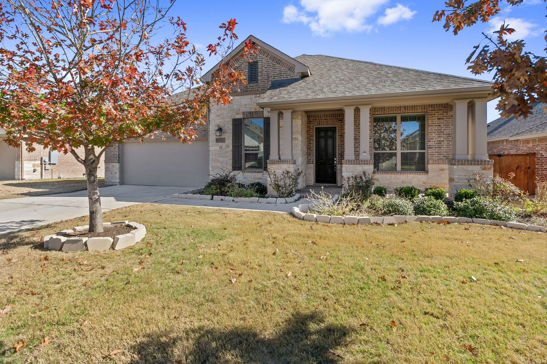 Single Family Homes for Active at 3013 Columbus Loop, Round Rock, TX 78665 3013 Columbus Loop Round Rock, Texas 78665 United States