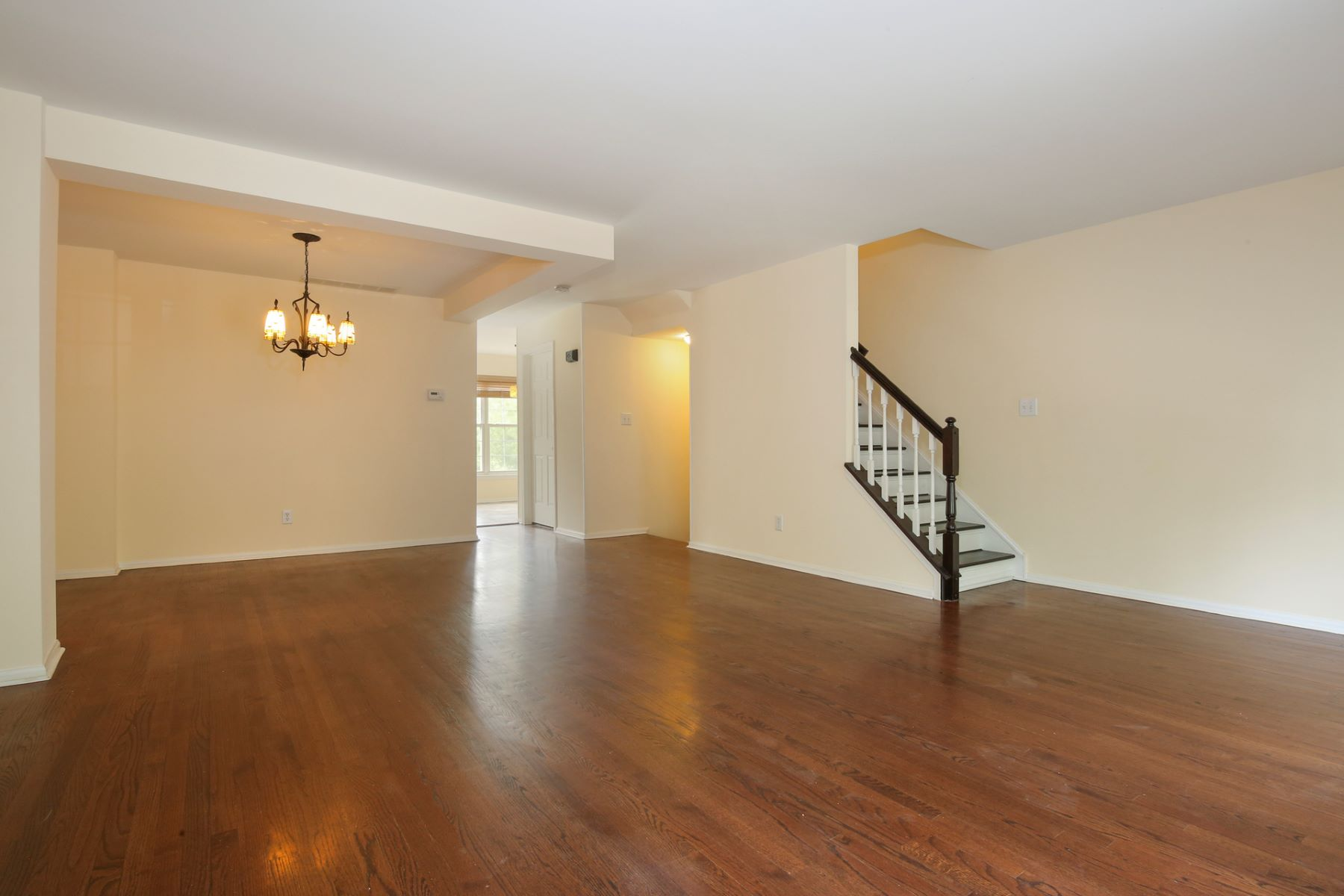 Additional photo for property listing at Easy Townhome With All the Perks of Princeton 238 William Livingston Court, Princeton, New Jersey 08540 Stati Uniti