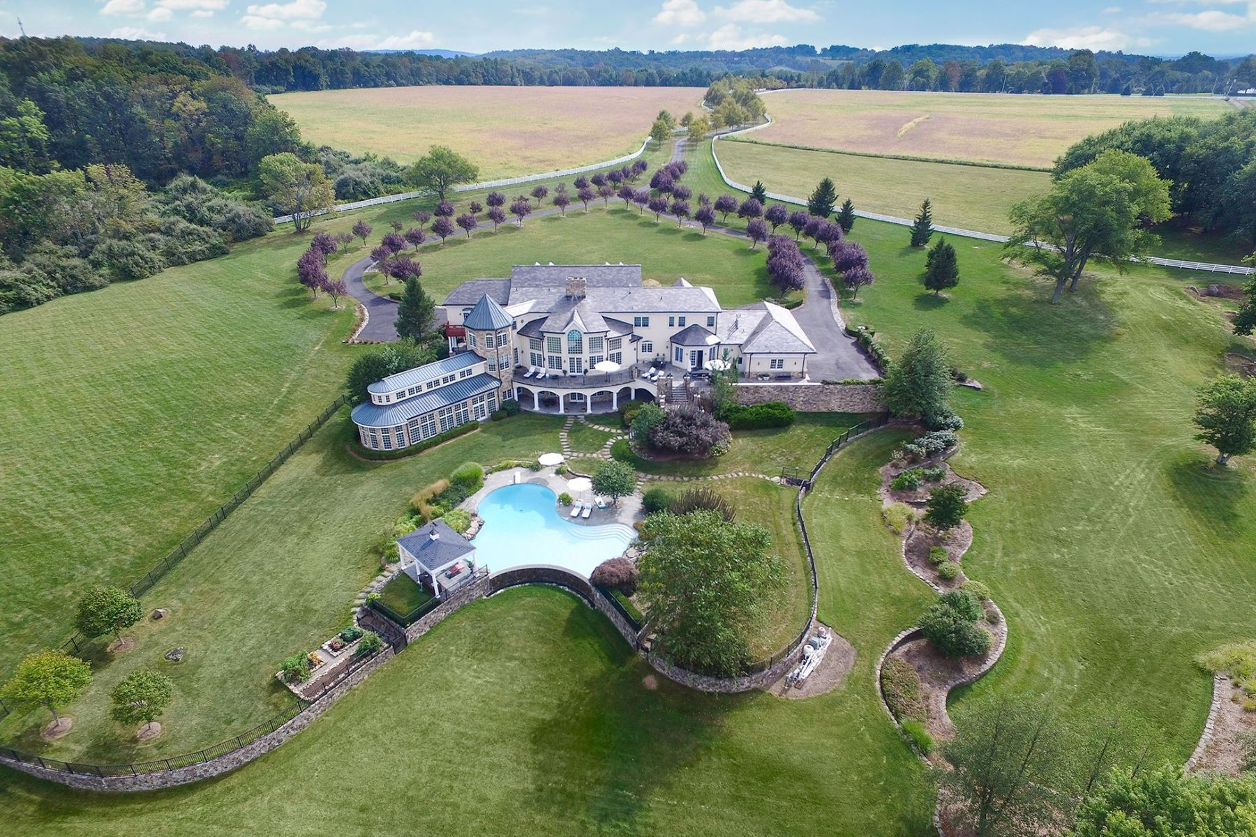 Single Family Homes para Venda às Offers Ideal Setting For Country Estate 131-133 Harbourton Woodsville Road, Lambertville, Nova Jersey 08530 Estados Unidos
