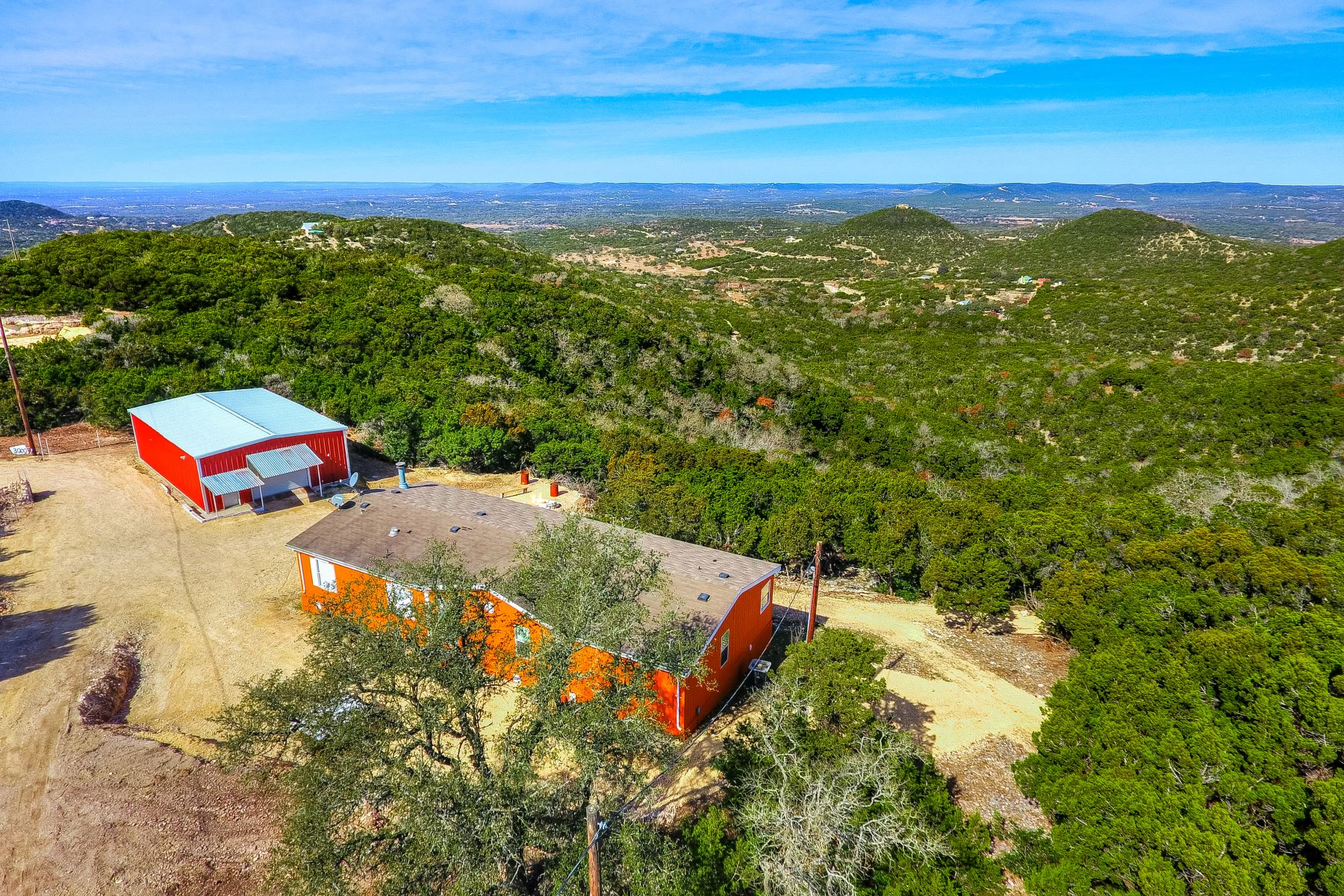 por un Venta en Over 7 Acres in Pipe Creek With Views 3000 Timbercreek Road Pipe Creek, Texas 78063 Estados Unidos