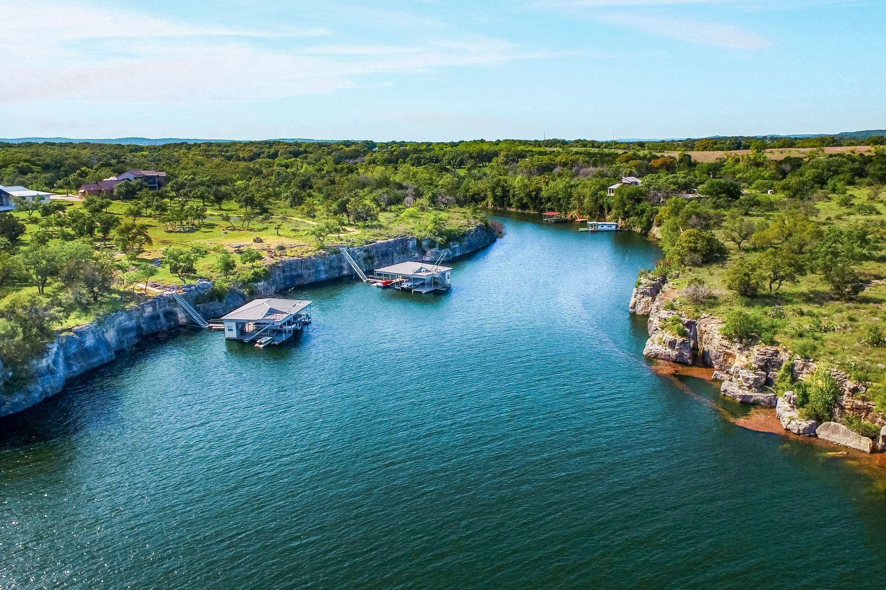 Terrain pour l Vente à Beautiful Lot in a Tranquil Community 22804 Mary Nell Lane, Spicewood, Texas, 78669 États-Unis