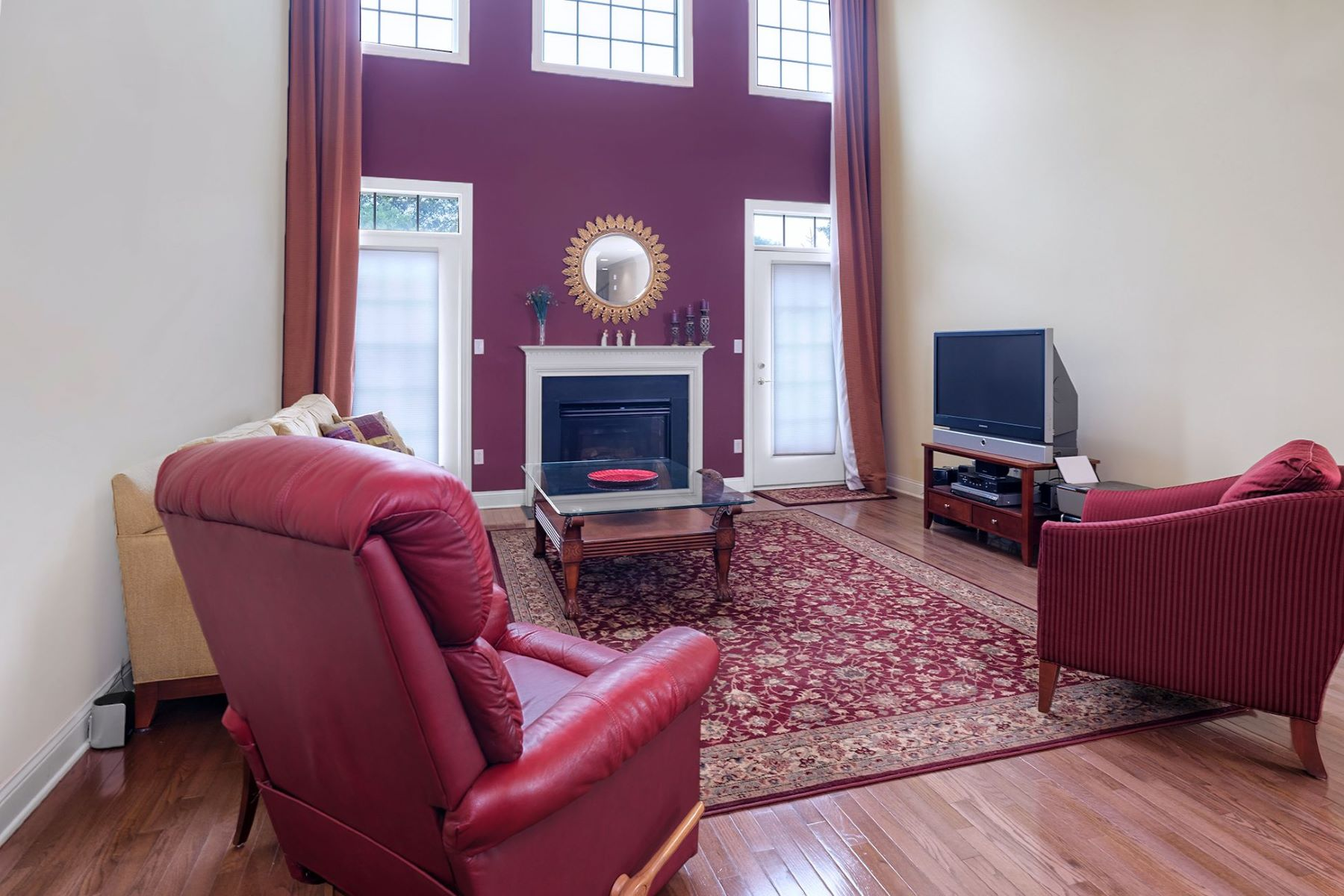 Additional photo for property listing at In Ventana At Lawrenceville 8 Schindler Court, Lawrenceville, New Jersey 08648 United States