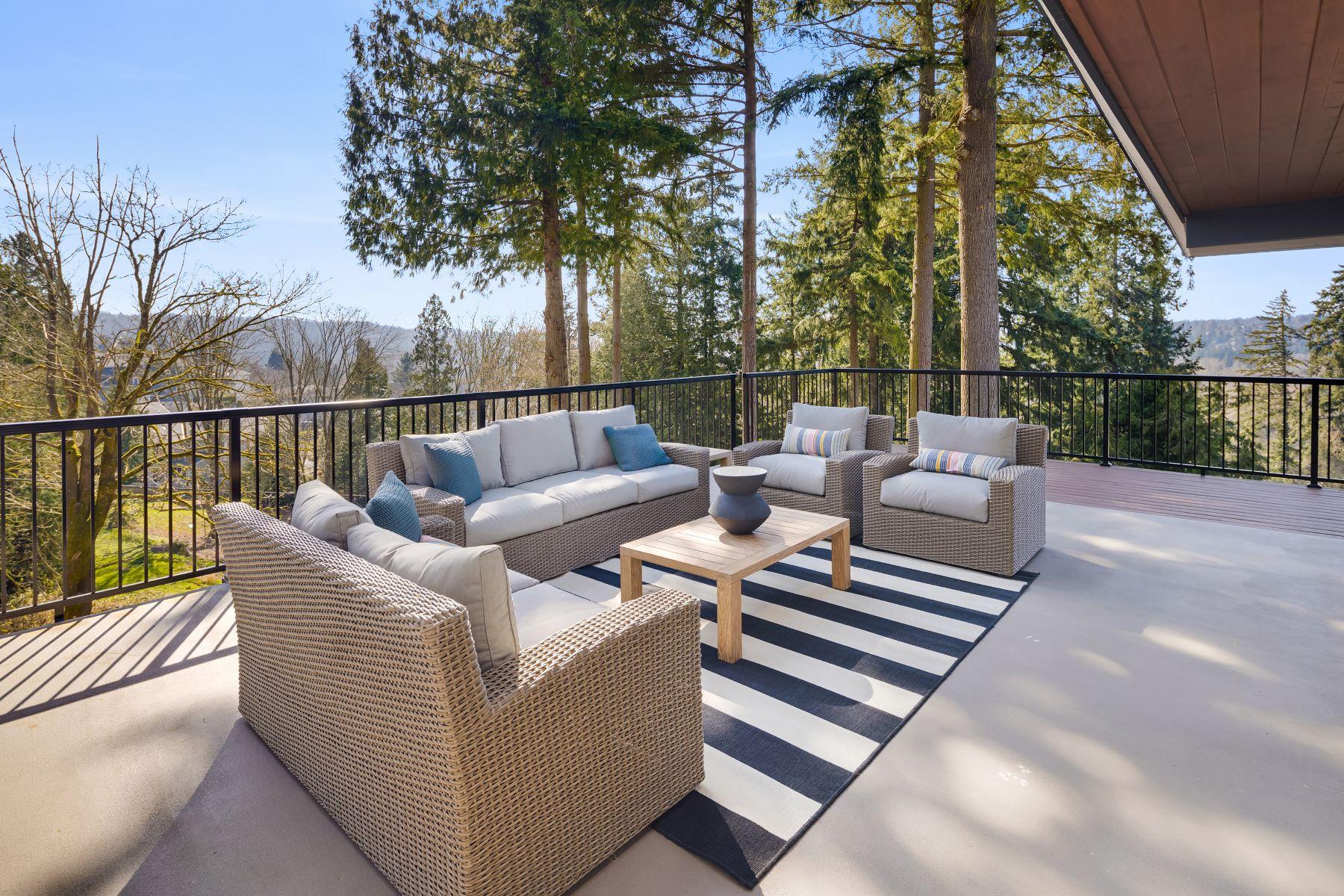 Additional photo for property listing at 8400 NE 190th St, Bothell, WA 98011  Bothell, Washington 98011 Hoa Kỳ