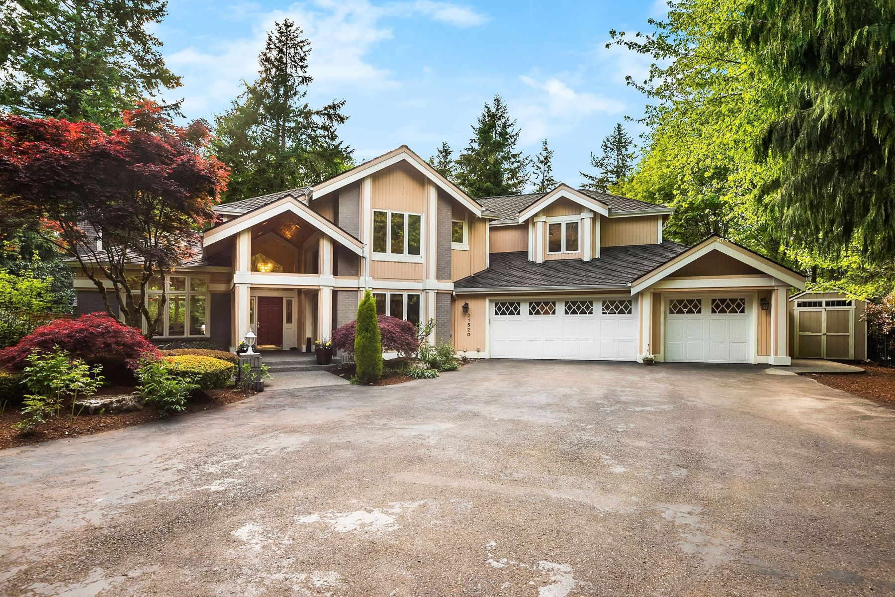 Single Family Homes for Sale at 21520 NE 144th Place, Woodinville, WA 98077 Woodinville, Washington 98077 United States