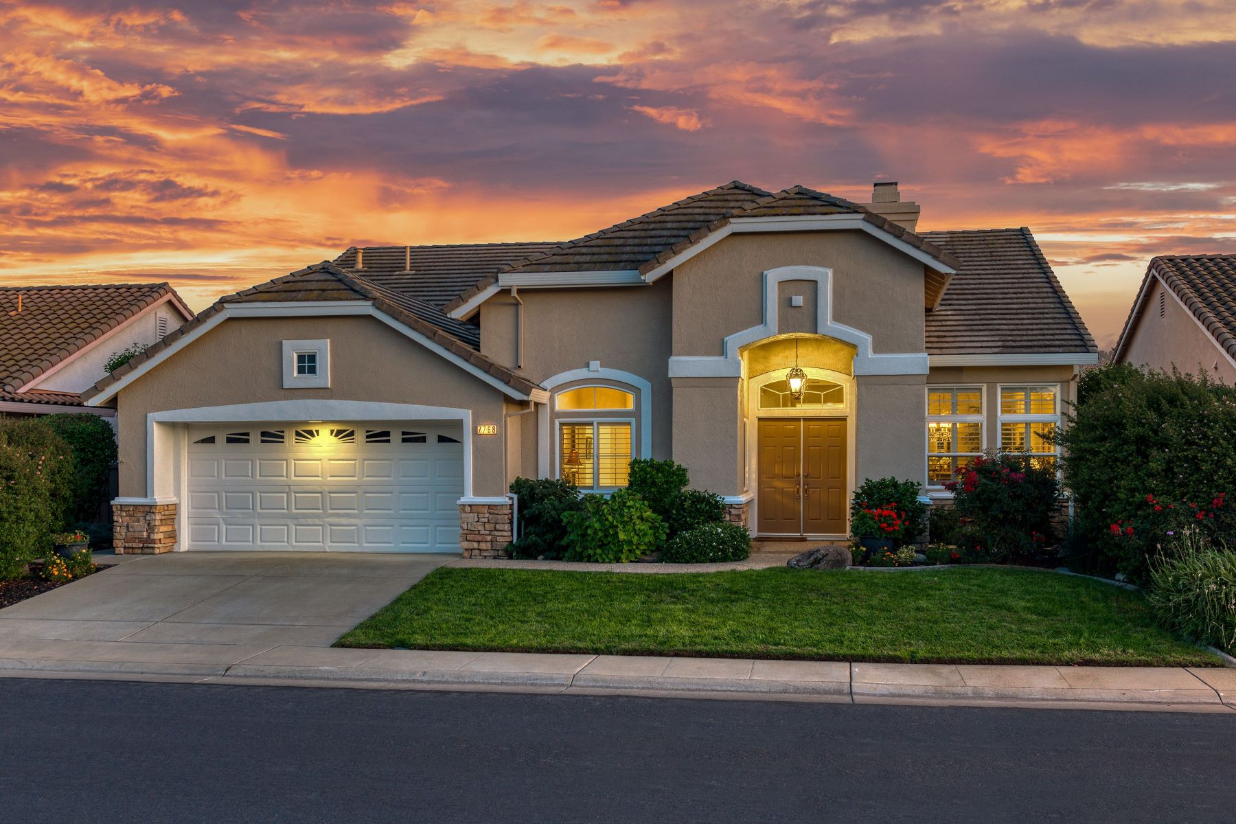 Single Family Homes por un Venta en 7768 Rosestone Lane, Roseville, CA 95747 7768 Rosestone Lane Roseville, California 95747 Estados Unidos
