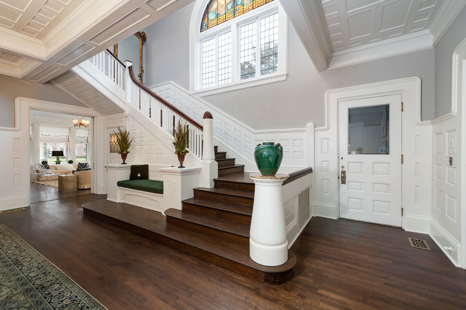 Additional photo for property listing at Regal Queen Anne Style Mansion 39 Portland Place St. Louis, Missouri 63108 United States