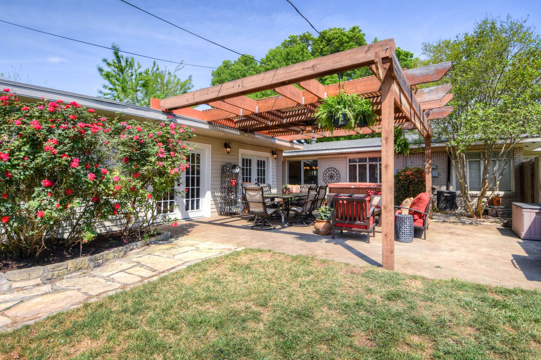 Additional photo for property listing at Ranch Home in Northwood 450 Tophill Road San Antonio, Texas 78209 United States