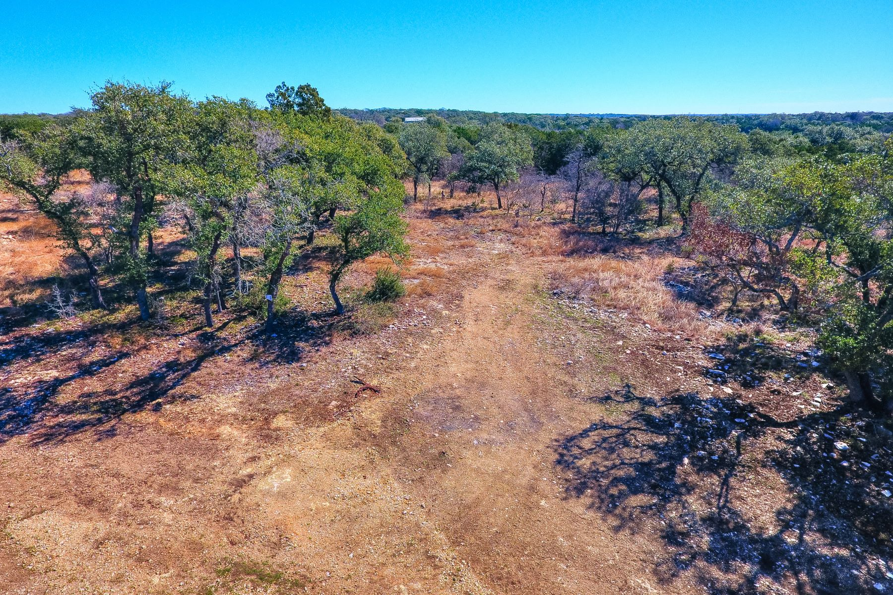 Terrain pour l Vente à Escondida Ranch, the Only Large-Acreage Gated Community in the Wimberley Area! 000 Gardenia, Wimberley, Texas 78676 États-Unis