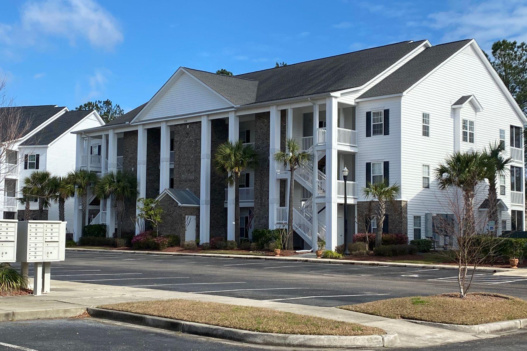 Condominiums por un Venta en 106 Birch N Coppice Dr., Surfside Beach, Sc, 29575 106 Birch N Coppice Dr. Unit# 8, Surfside Beach, Carolina del Sur 29575 Estados Unidos