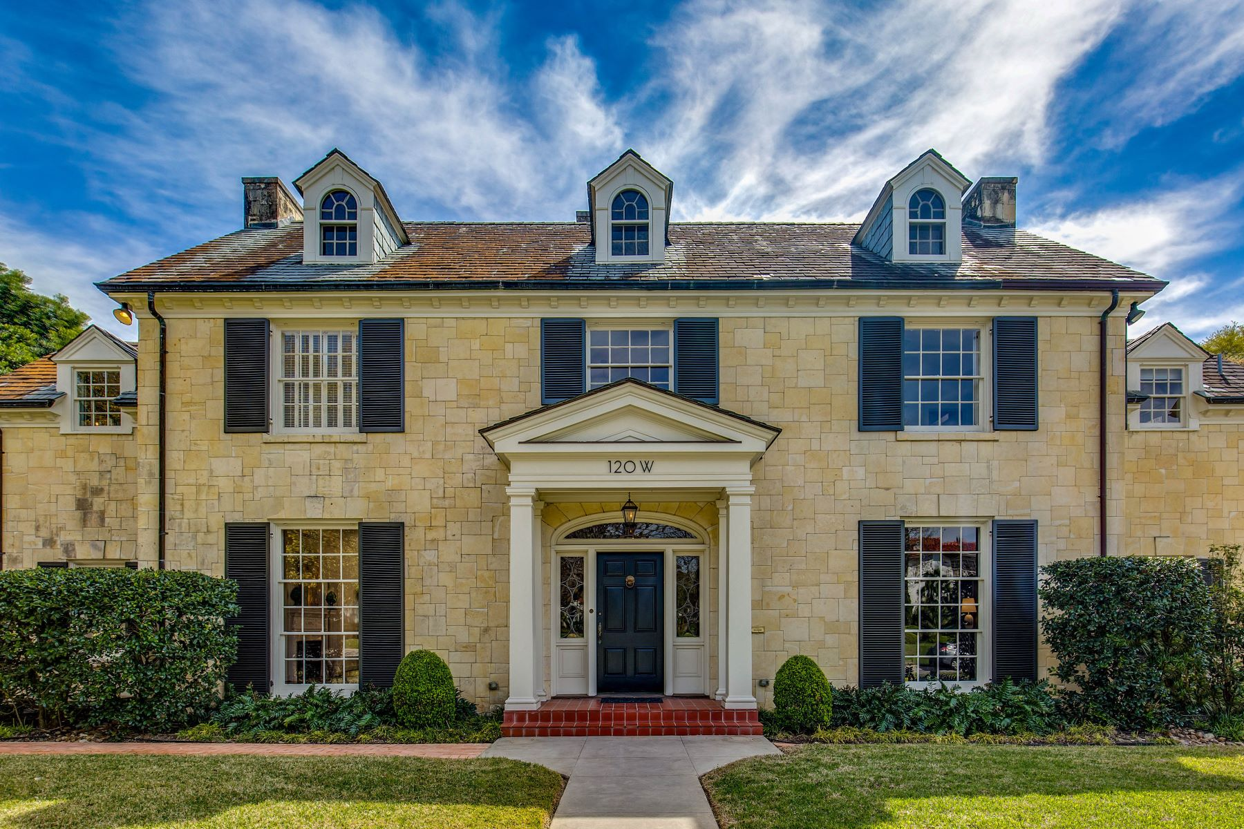 Single Family Home for Sale at Sophisticated Home in the Heart of Monte Vista 120 West Lynwood Avenue San Antonio, Texas 78212 United States