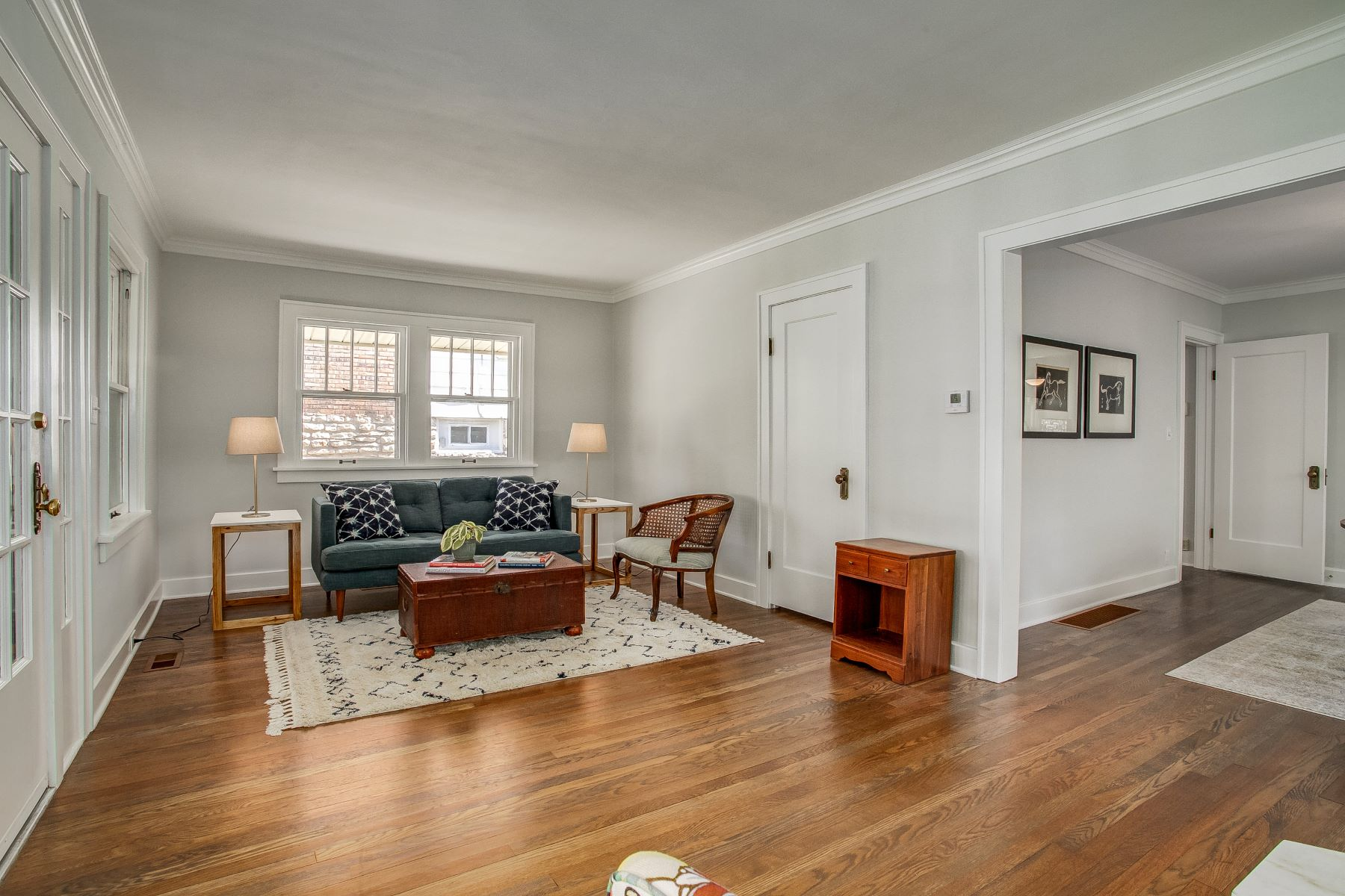 Single Family Homes for Active at Rockhurst Park 5121 Virginia Avenue Kansas City, Missouri 64110 United States