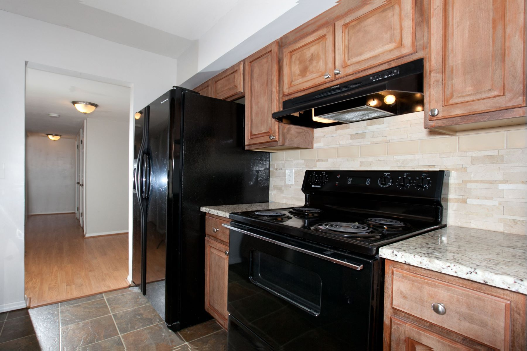 Additional photo for property listing at The Hanley Condos 801 North Hanley Road # D University City, Missouri 63130 United States
