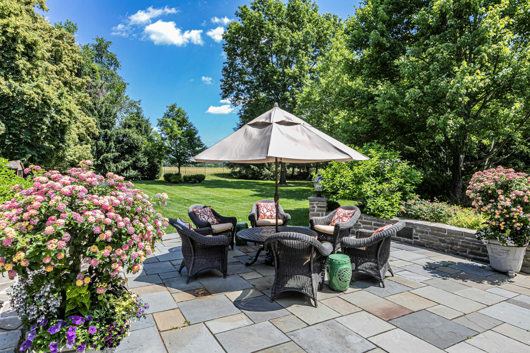 Additional photo for property listing at Simply Stunning in Woodmere Estates 17 Woodmere Way, Pennington, New Jersey 08534 United States