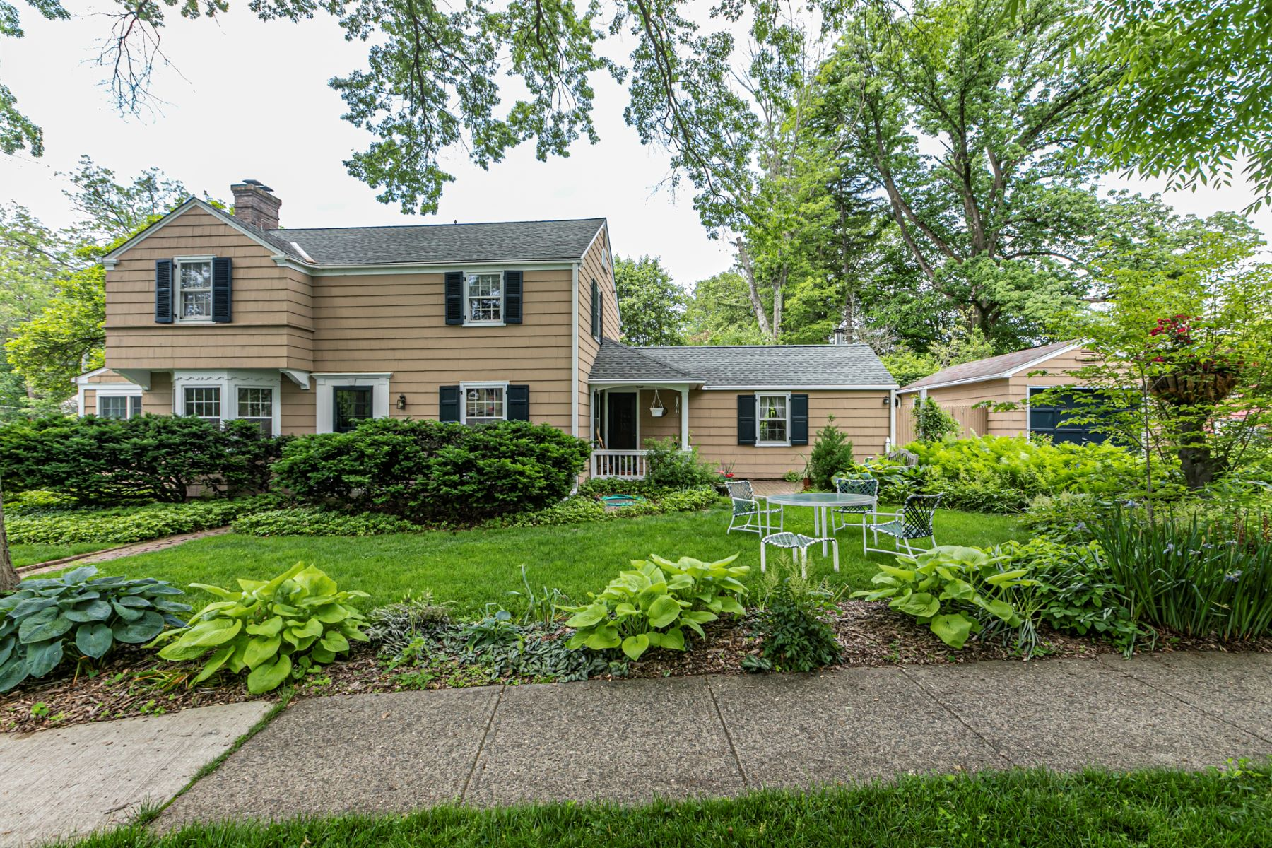 Single Family Homes for Sale at Organic Gardens Enhance this Cottage-Style Charmer 144 Patton Avenue, Princeton, New Jersey 08540 United States