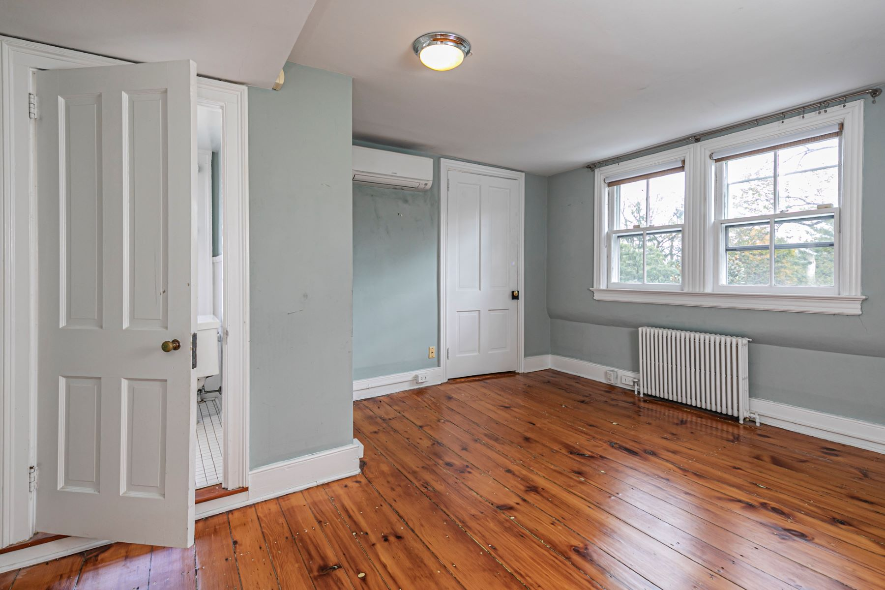 Additional photo for property listing at Newly Renovated 1825 Gem, Right in Town 40 Mercer Street, Princeton, New Jersey 08540 Verenigde Staten