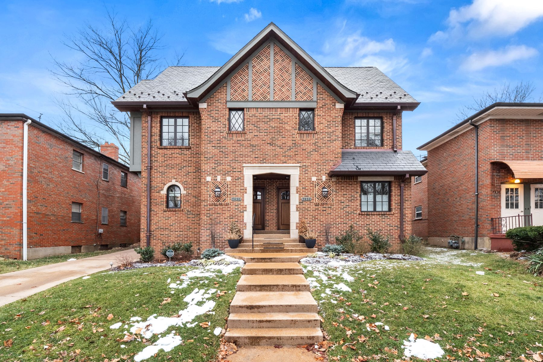 townhouses for Sale at Incredible Period Restoration Townhome 7430 Delmar Boulevard University City, Missouri 63130 United States