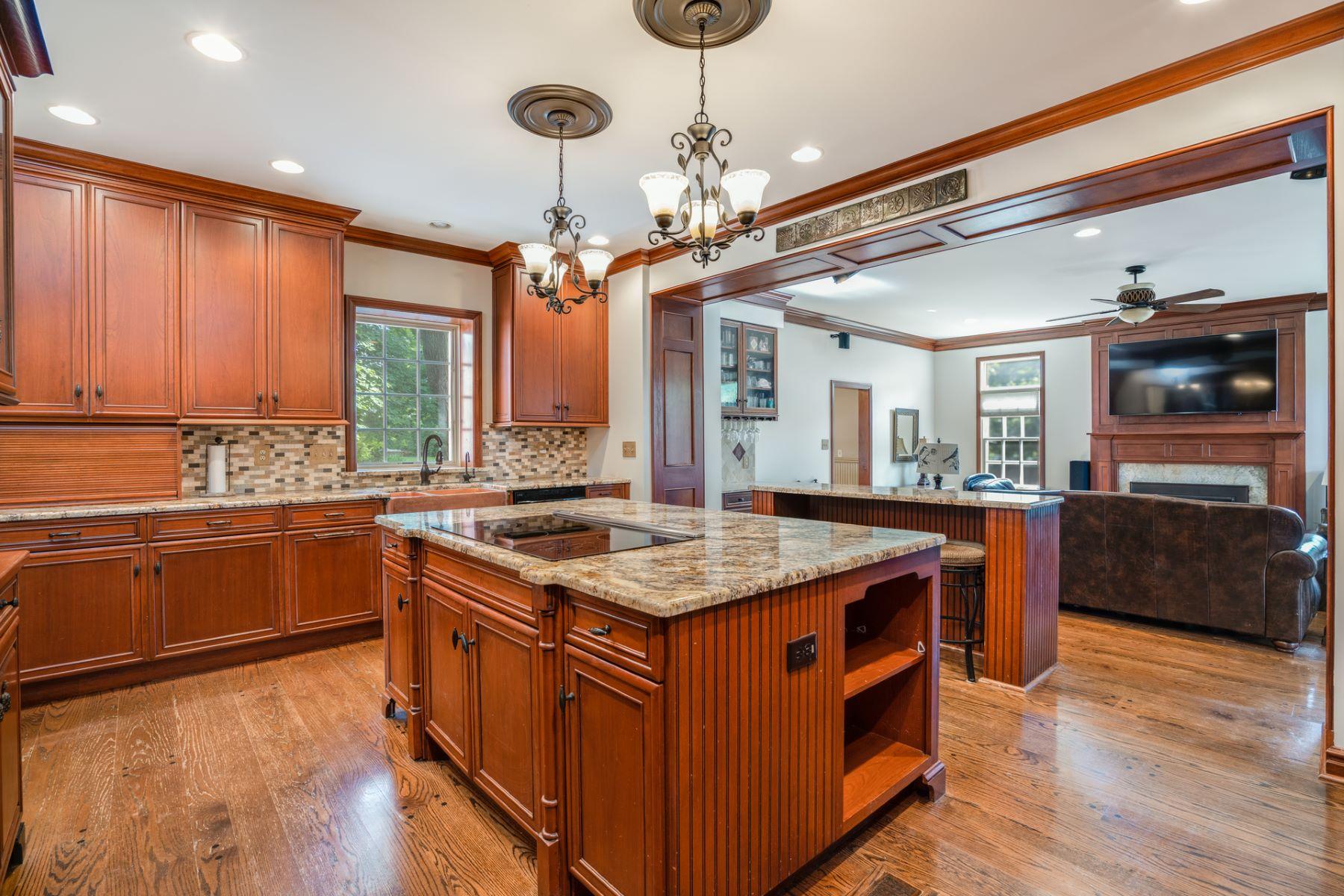 Additional photo for property listing at Charming Spanish Tudor 12 Granada Way Ladue, Missouri 63124 United States