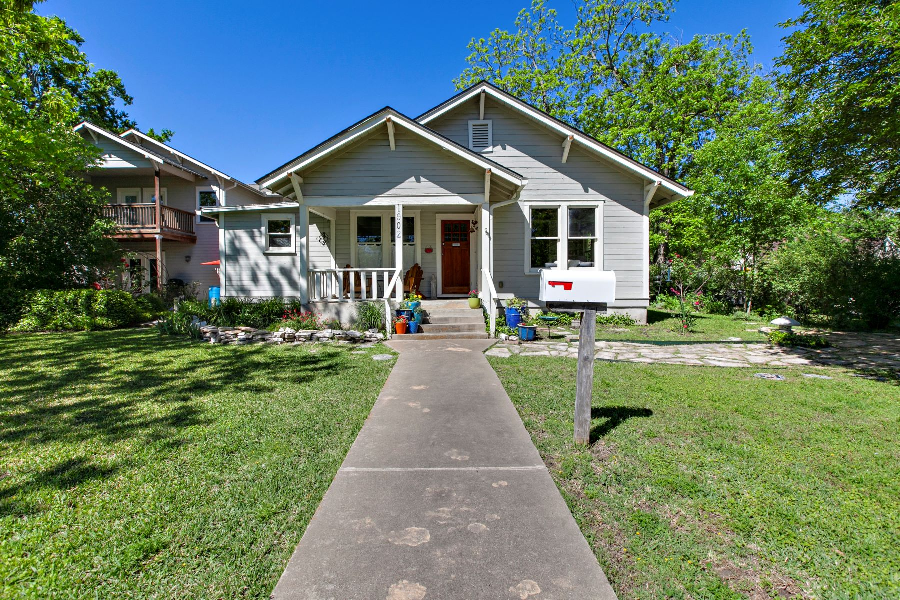 Single Family Homes for Sale at 1902 South Church Street, Georgetown, TX 78626 1902 South Church Street Georgetown, Texas 78626 United States