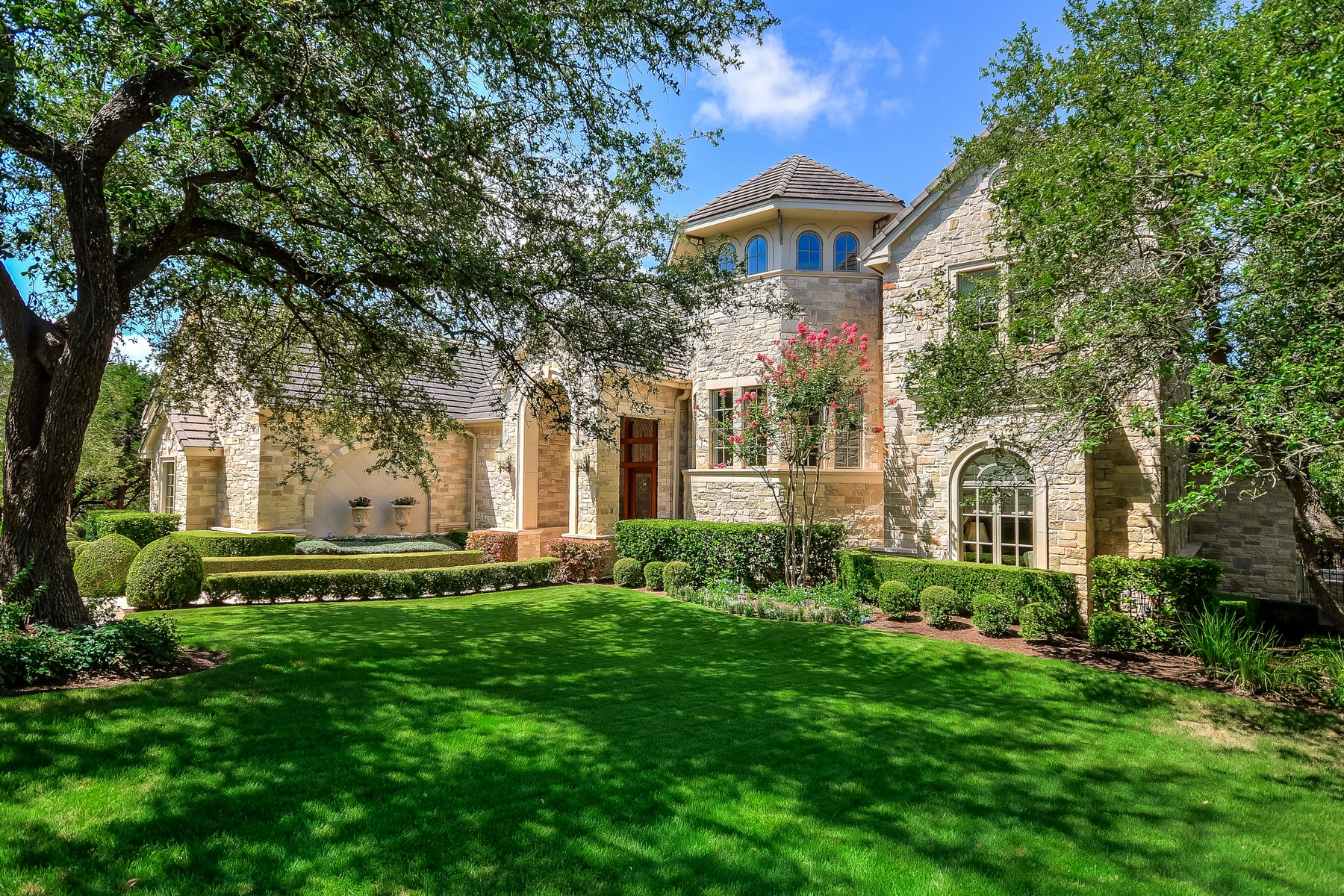 Single Family Home for Sale at Outstanding Barton Creek Estate Home 8409 Chalk Knoll Dr Austin, Texas 78735 United States