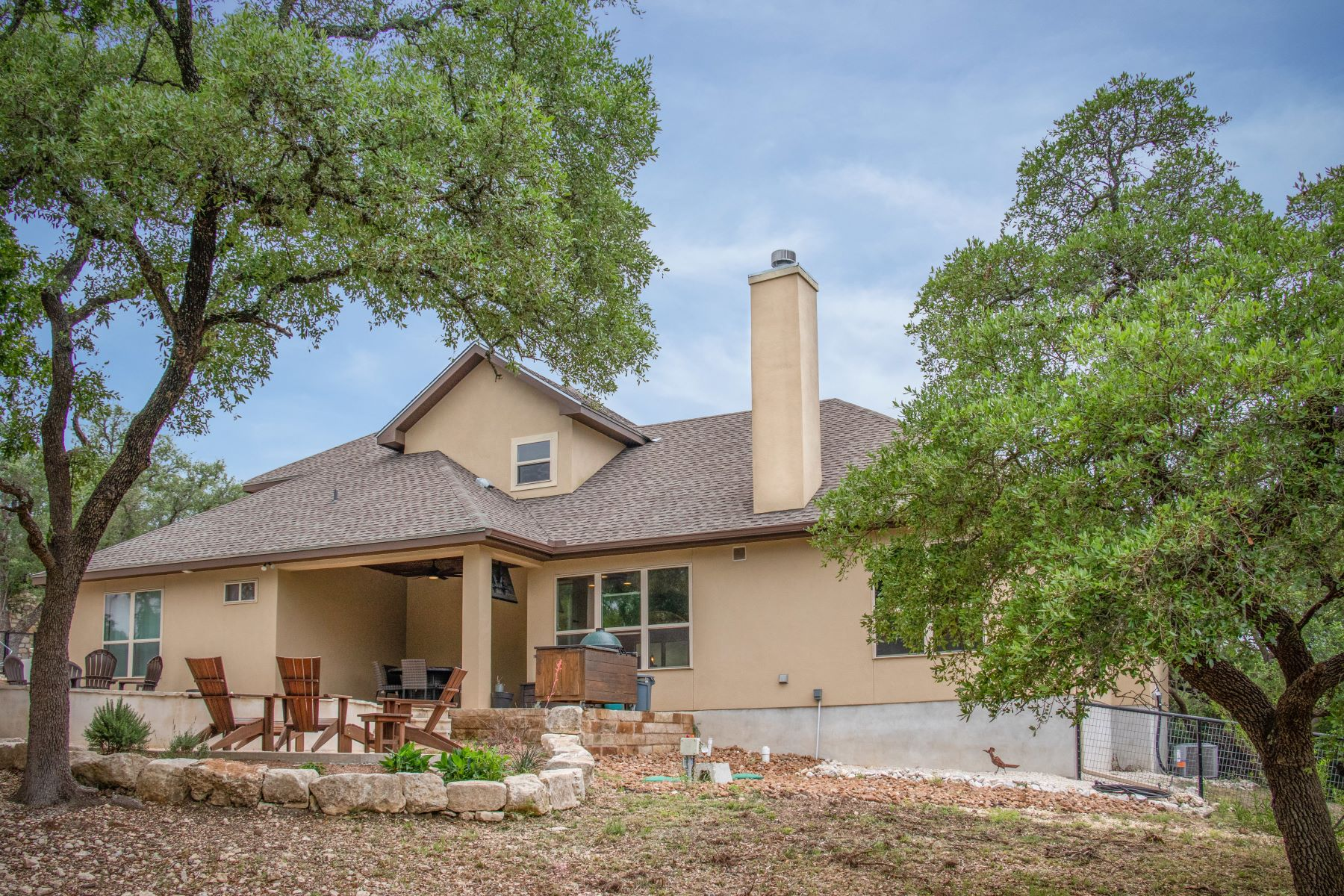 Additional photo for property listing at Custom Home with Views of Greenbelt and Nature Area 1742 Mountain Springs, Canyon Lake, 텍사스 78133 미국