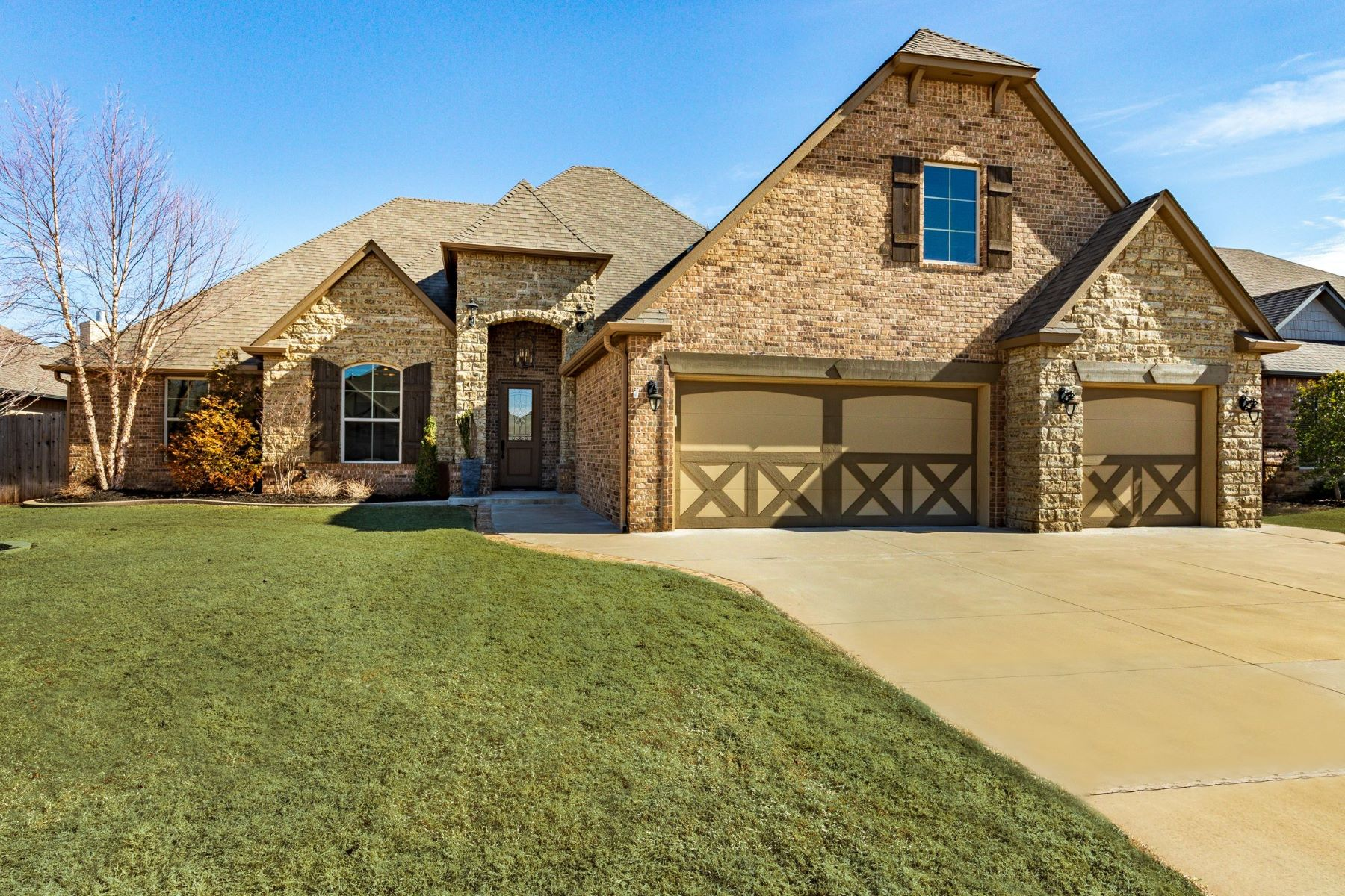 Single Family Homes for Sale at 17416 Locust Grove Lane, Edmond, Ok, 73012 17416 Locust Grove Lane Edmond, Oklahoma 73012 United States