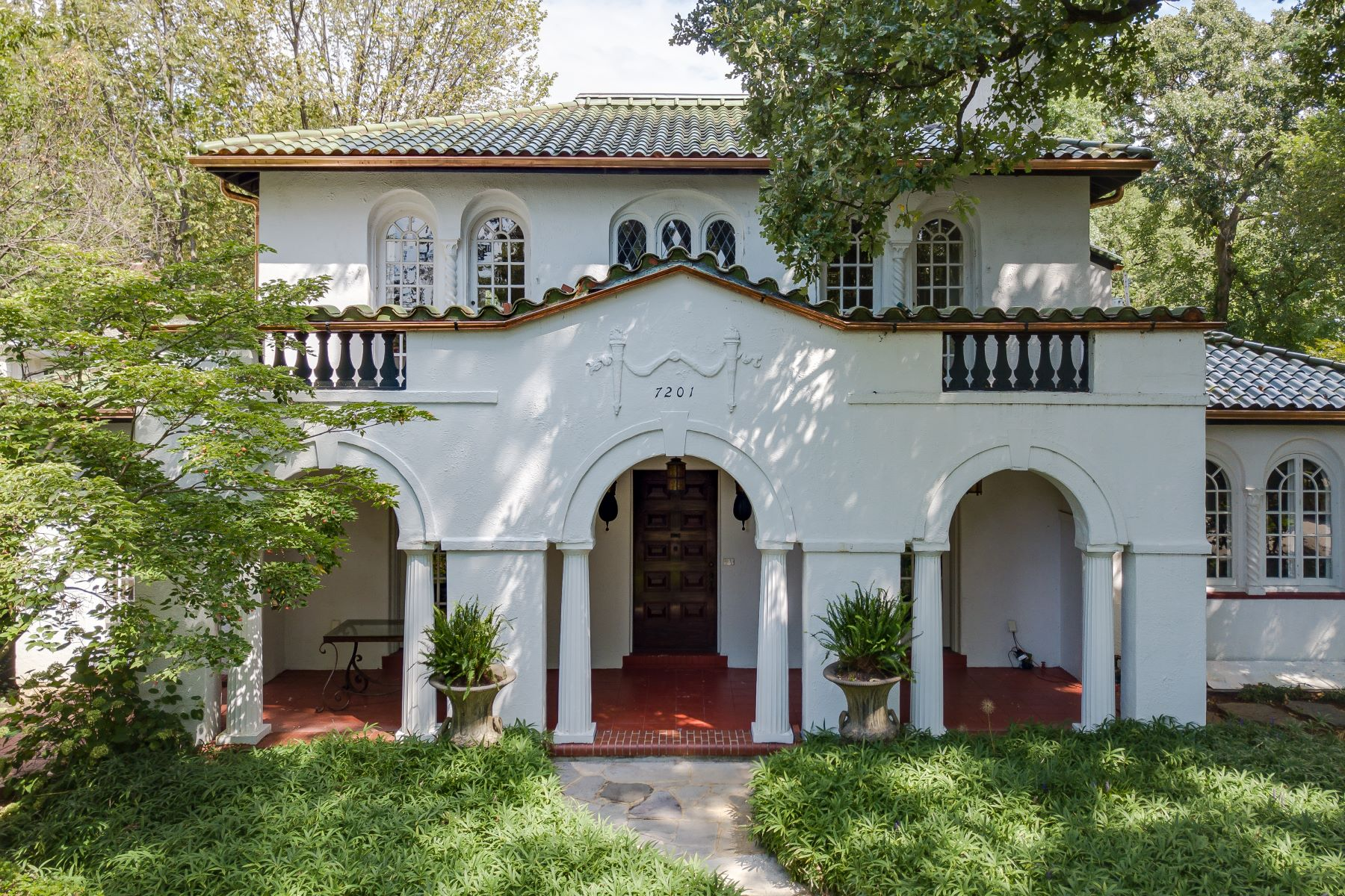 Single Family Homes for Sale at Iconic Spanish Revival on a Private Street in University City 7201 Kingsbury Boulevard University City, Missouri 63130 United States