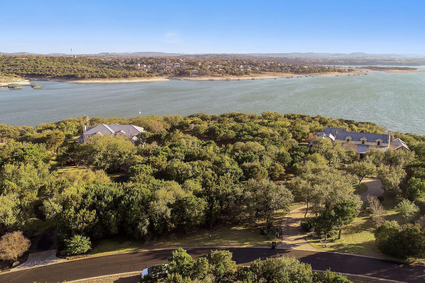 Terreno por un Venta en 10 Incredible Acres in the Coves on Lake Travis 19556 Sandcastle Drive Spicewood, Texas 78669 Estados Unidos