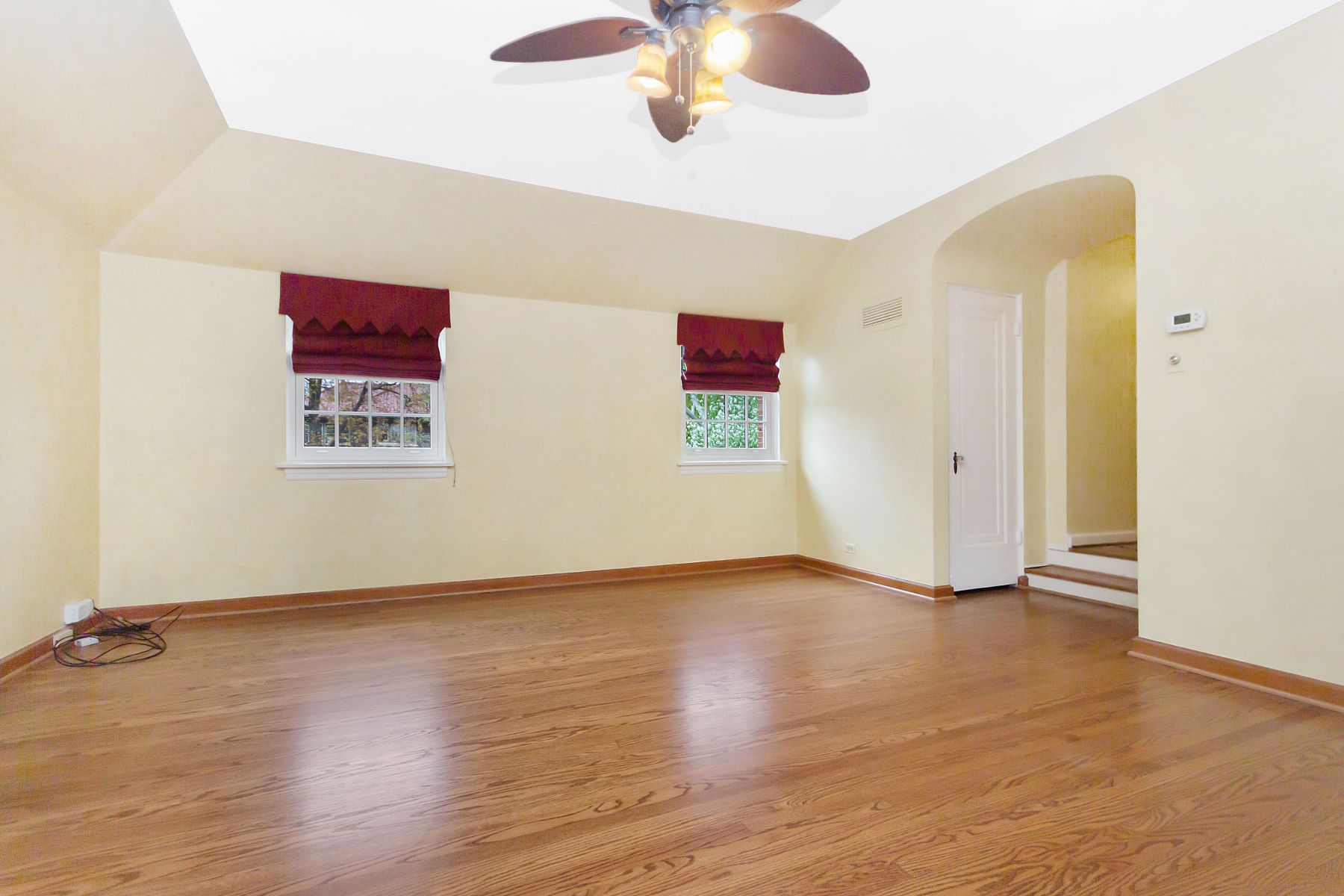 Additional photo for property listing at Beautifully updated and Maintained Brick Home 754 Bonnie Brae Place River Forest, Illinois 60305 United States
