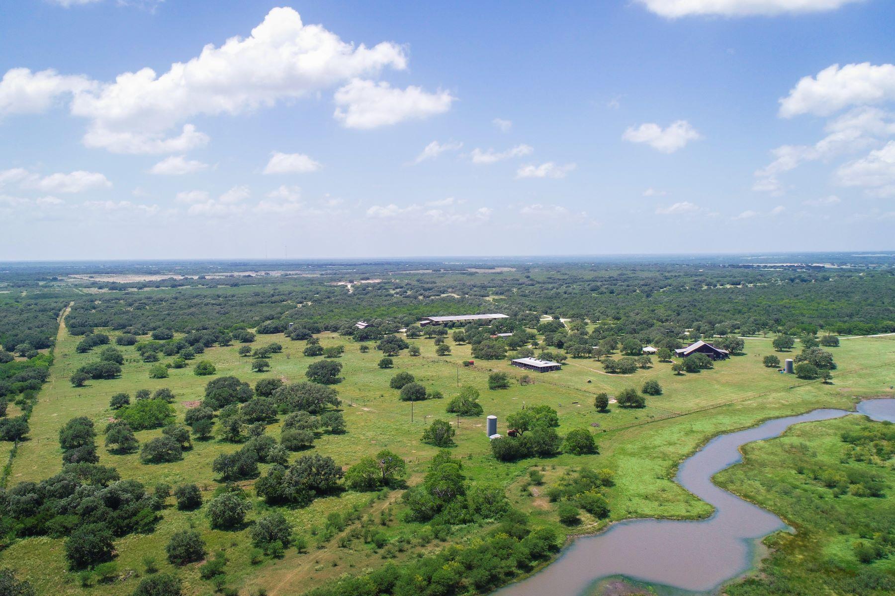 Granjas / Hacienda / Platanción por un Venta en Charco Ranch in Beeville 0 Charco Road, Beeville, Texas 78102 Estados Unidos