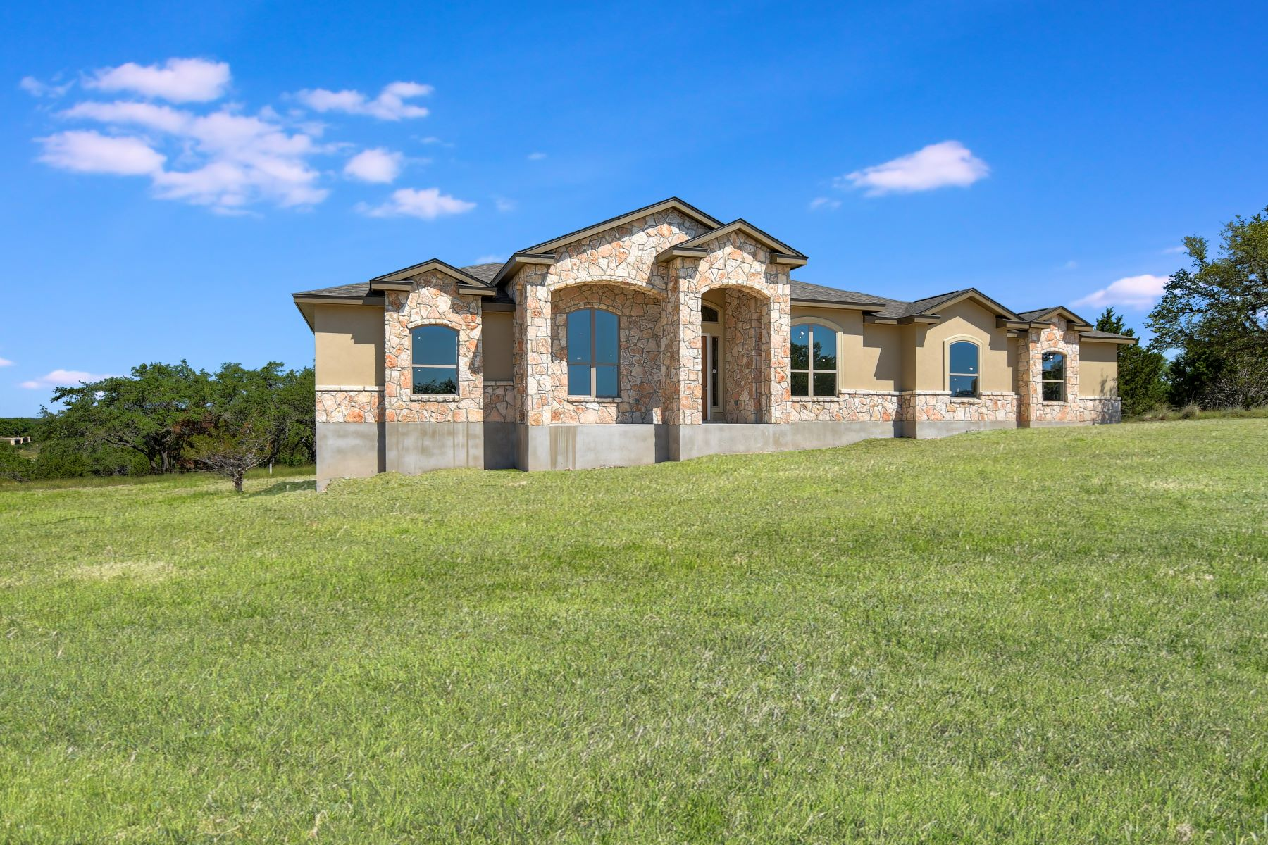 Single Family Homes for Sale at Stunning New Build in Mystic Shores 125 Finch Place Spring Branch, Texas 78070 United States