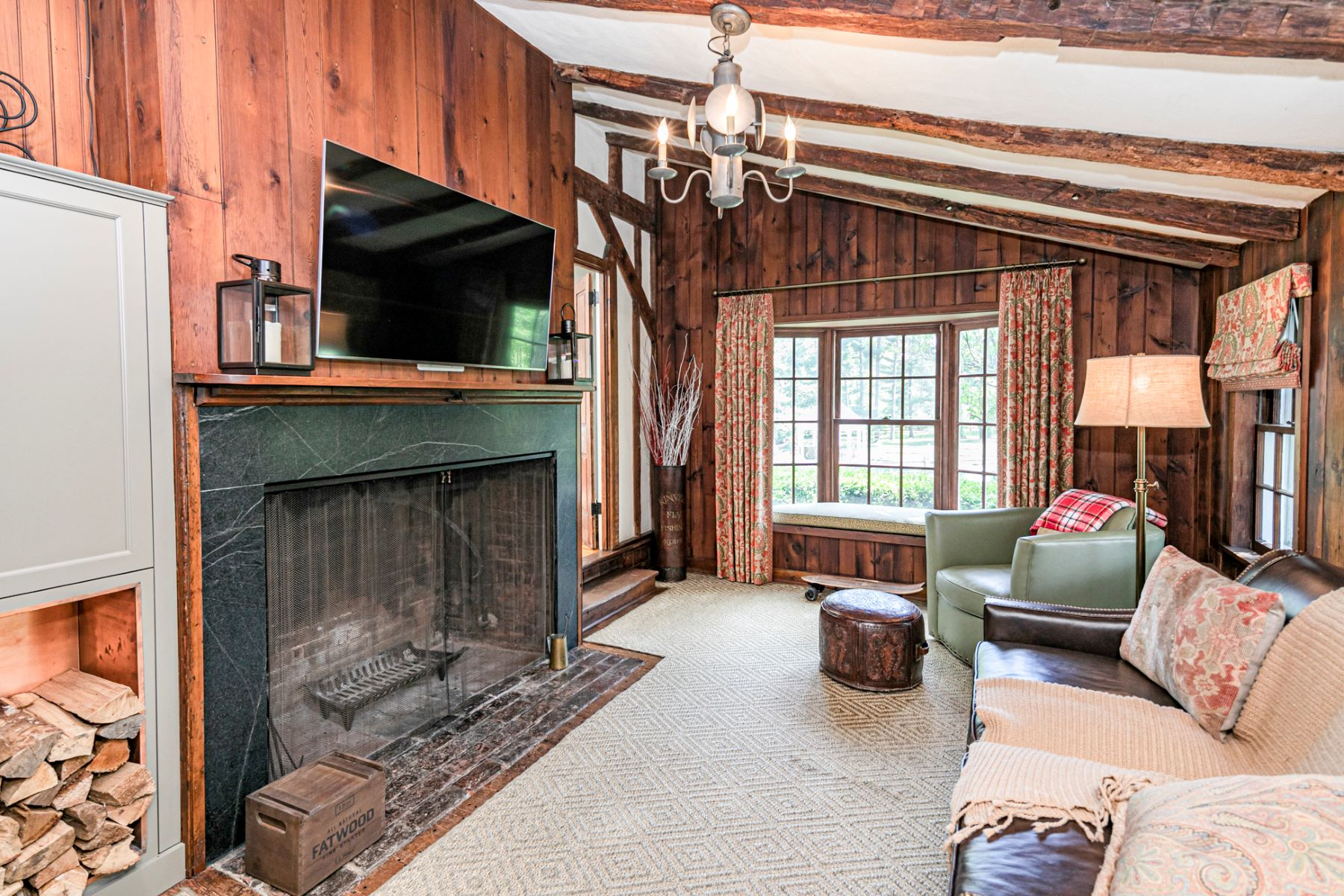 Additional photo for property listing at Historic Charm with Modern Style in a Storybook Setting 29 Bedens Brook Road, Skillman, New Jersey 08558 United States