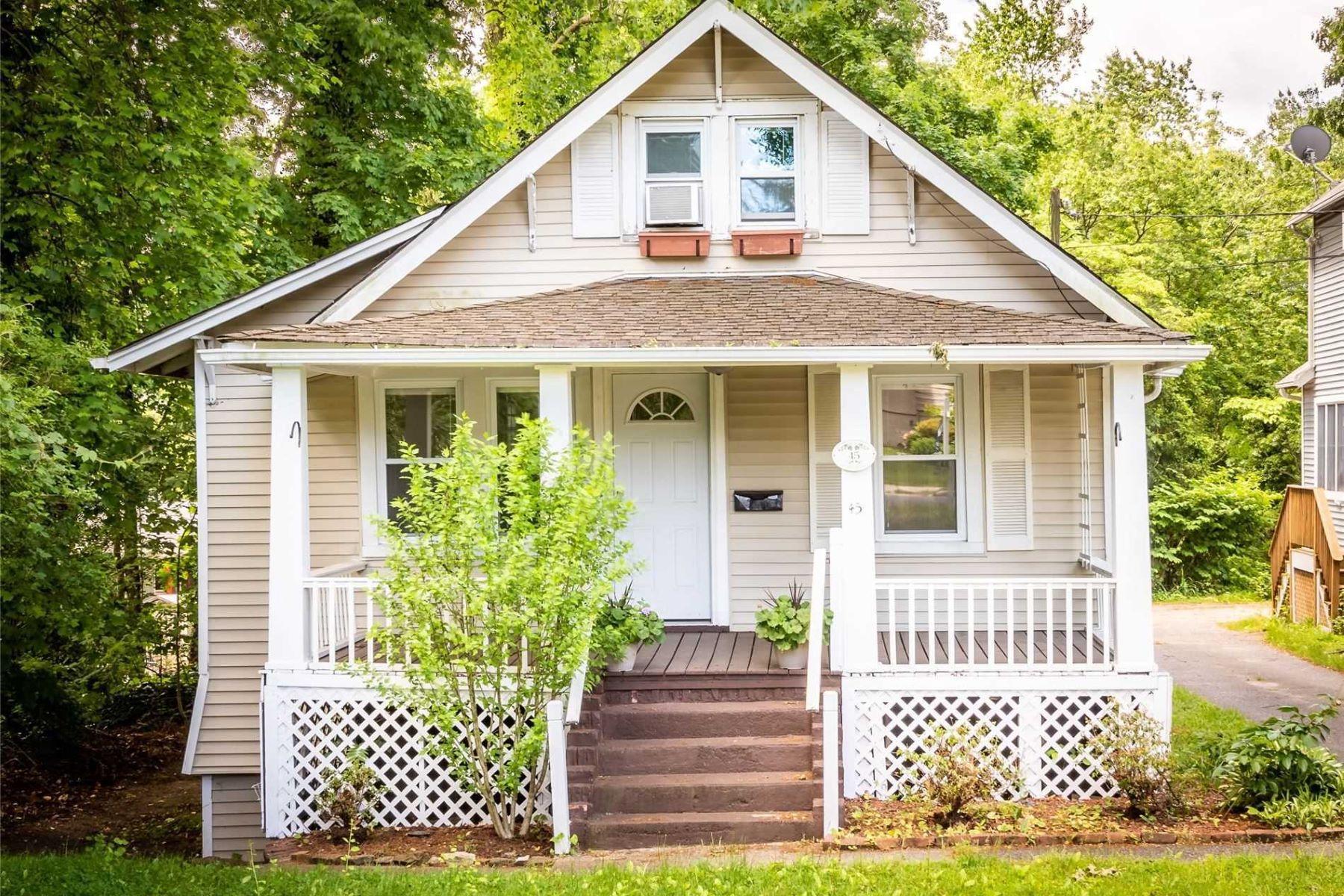 Single Family Homes 為 出售 在 Glen Head 45 Cody Avenue, Glen Head, 纽约 11545 美國