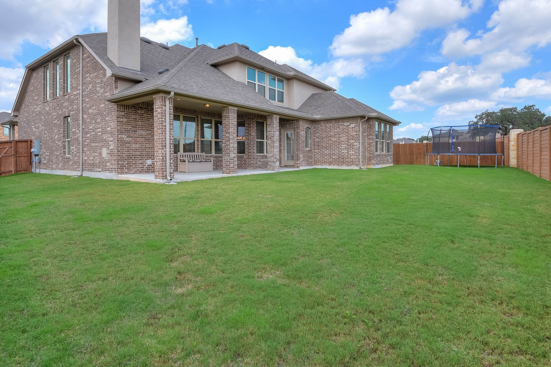 Additional photo for property listing at Beautiful Highland Home in Stillwater Ranch 7522 Foss Aly San Antonio, Texas 78254 United States