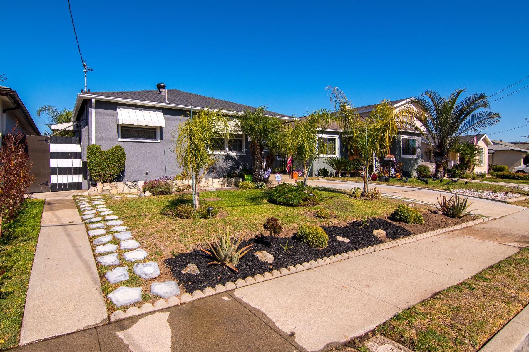 Single Family Homes for Sale at 4527 West 142nd Street, Hawthorne, CA 90250 4527 West 142nd Street Hawthorne, California 90250 United States
