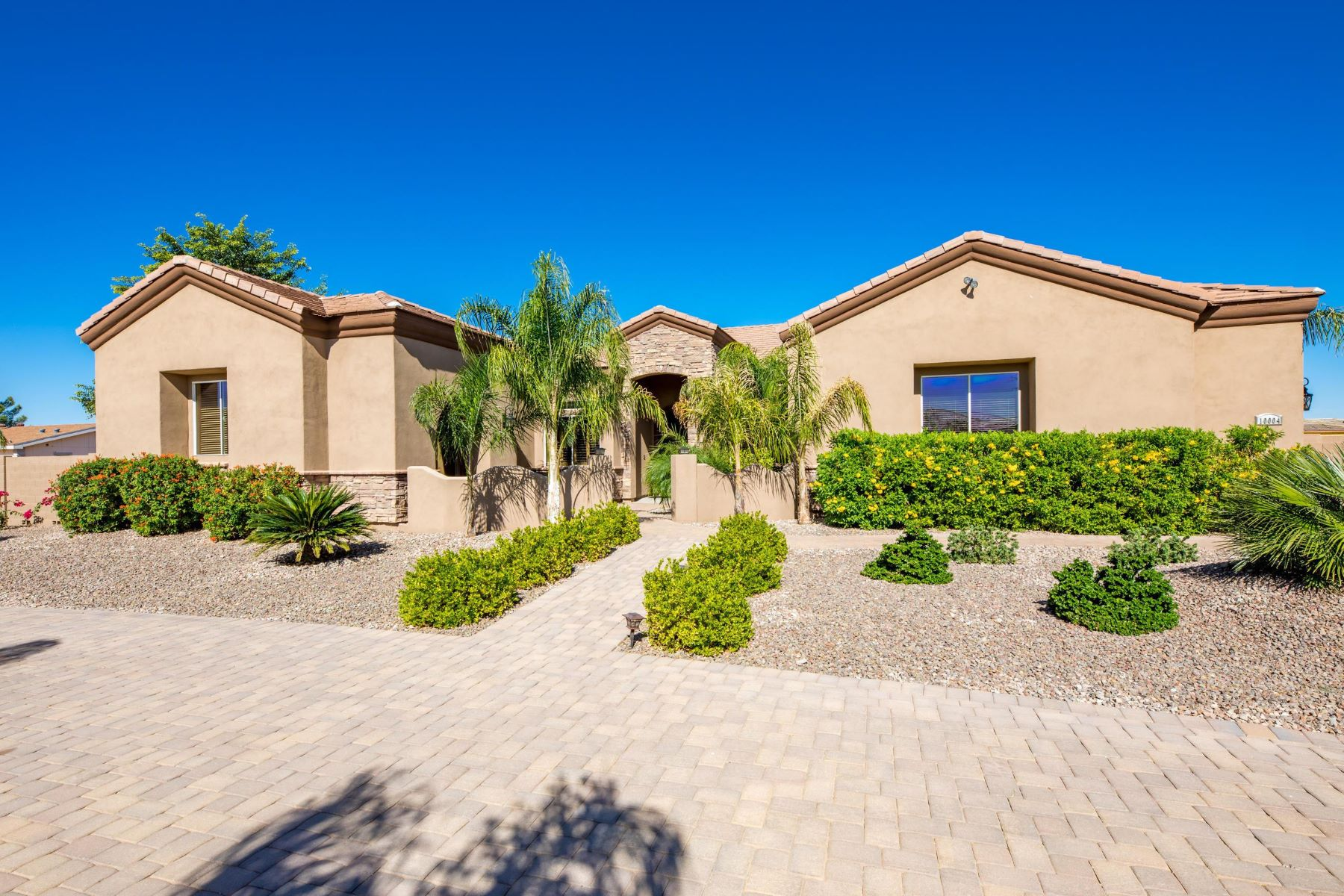 Single Family Homes por un Venta en North Peoria Entertainer's Delight! 10004 W Mariposa Grande Peoria, Arizona 85383 Estados Unidos
