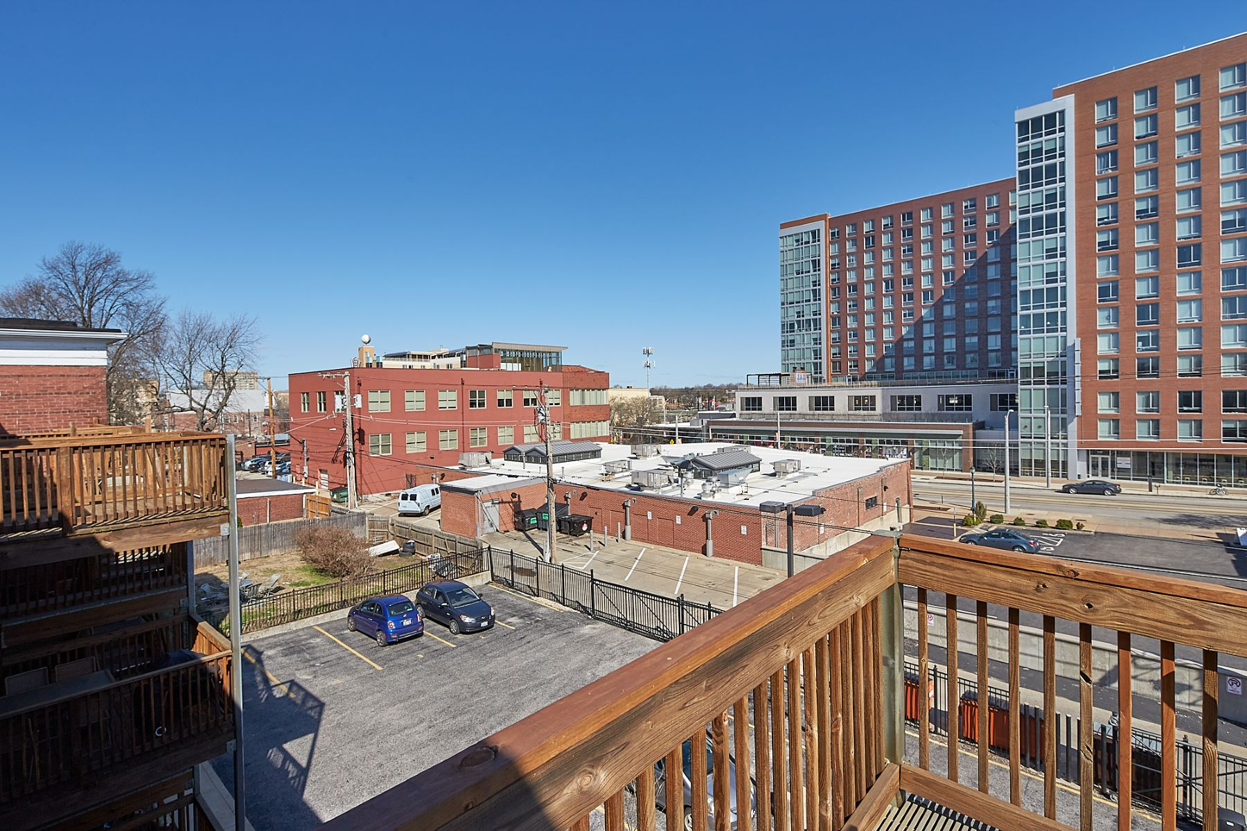 Additional photo for property listing at Perfect Skinker-DeBaliviere Condo 6109 Washington Boulevard #301 St. Louis, Missouri 63112 United States