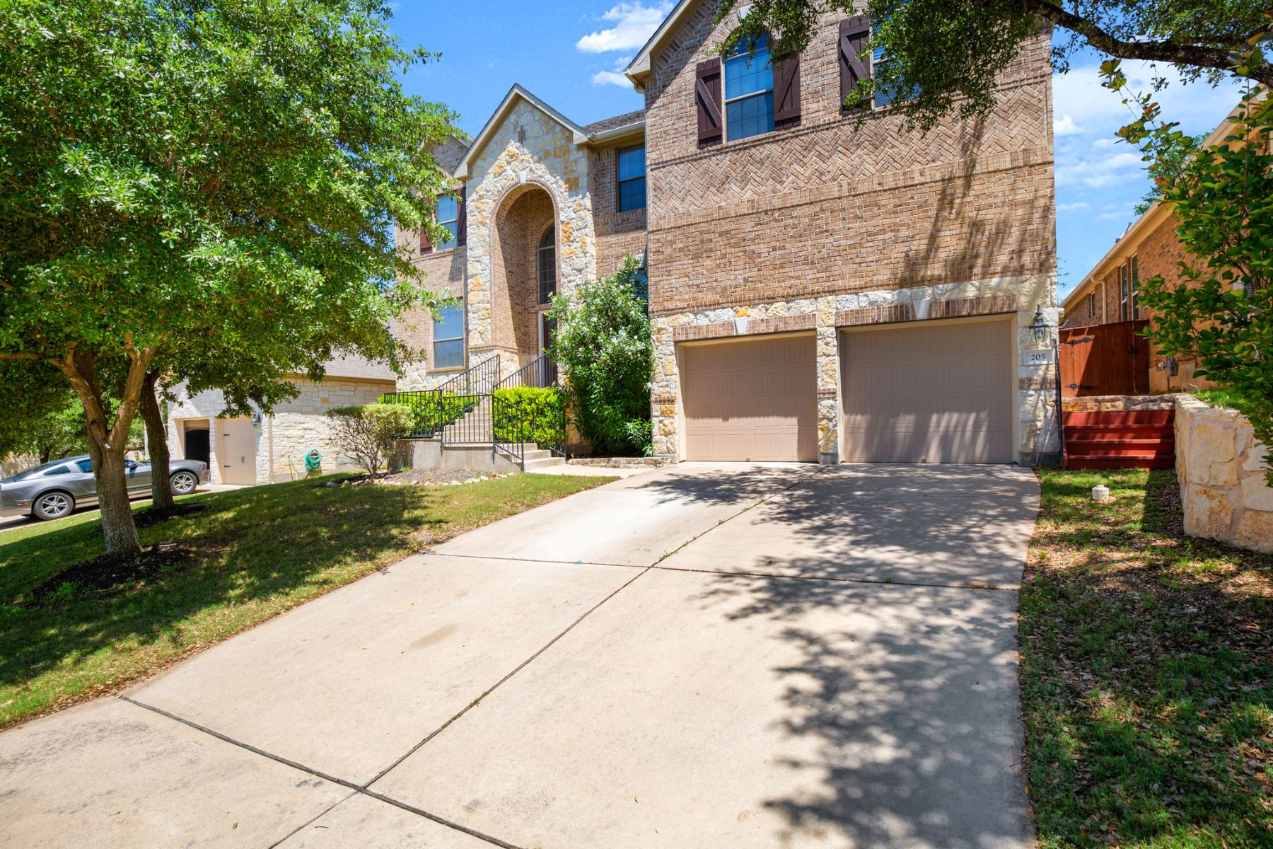 Single Family Homes for Sale at 205 Choke Canyon Lane, Georgetown, TX 78628 205 Choke Canyon Lane Georgetown, Texas 78628 United States