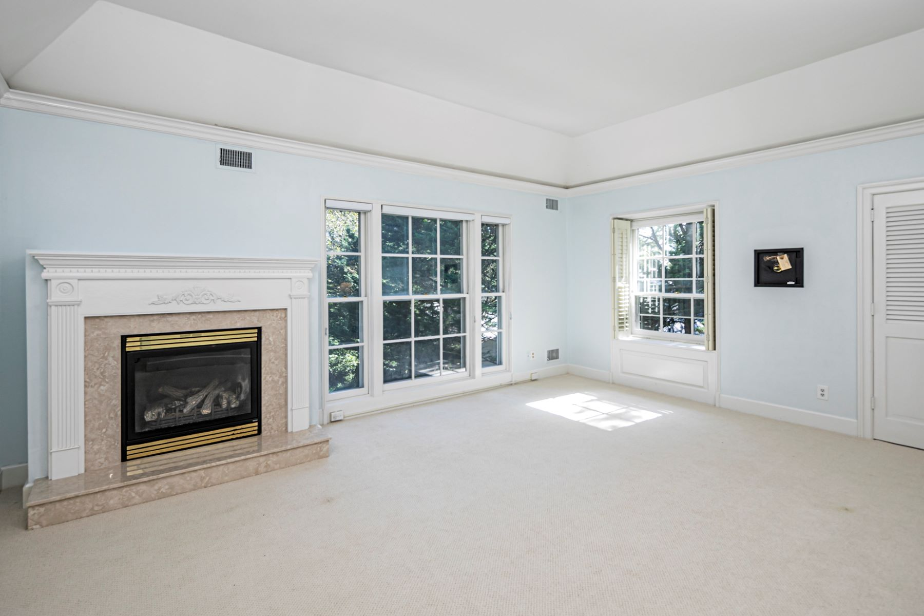 Additional photo for property listing at Stunning Details in a Superb Location 40 Haslet Avenue, Princeton, New Jersey 08540 United States